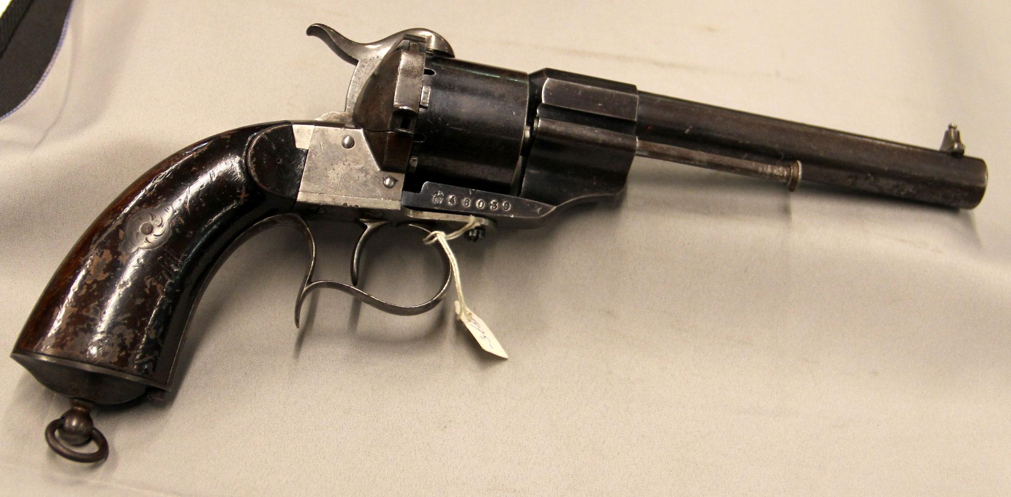 5. 12mm penvuurrevolver, originele Lefauchaux, Parijs, model 1854, gebruikt in de Civil War door de zuidelijken. Veel origineel blauw. € 975,-