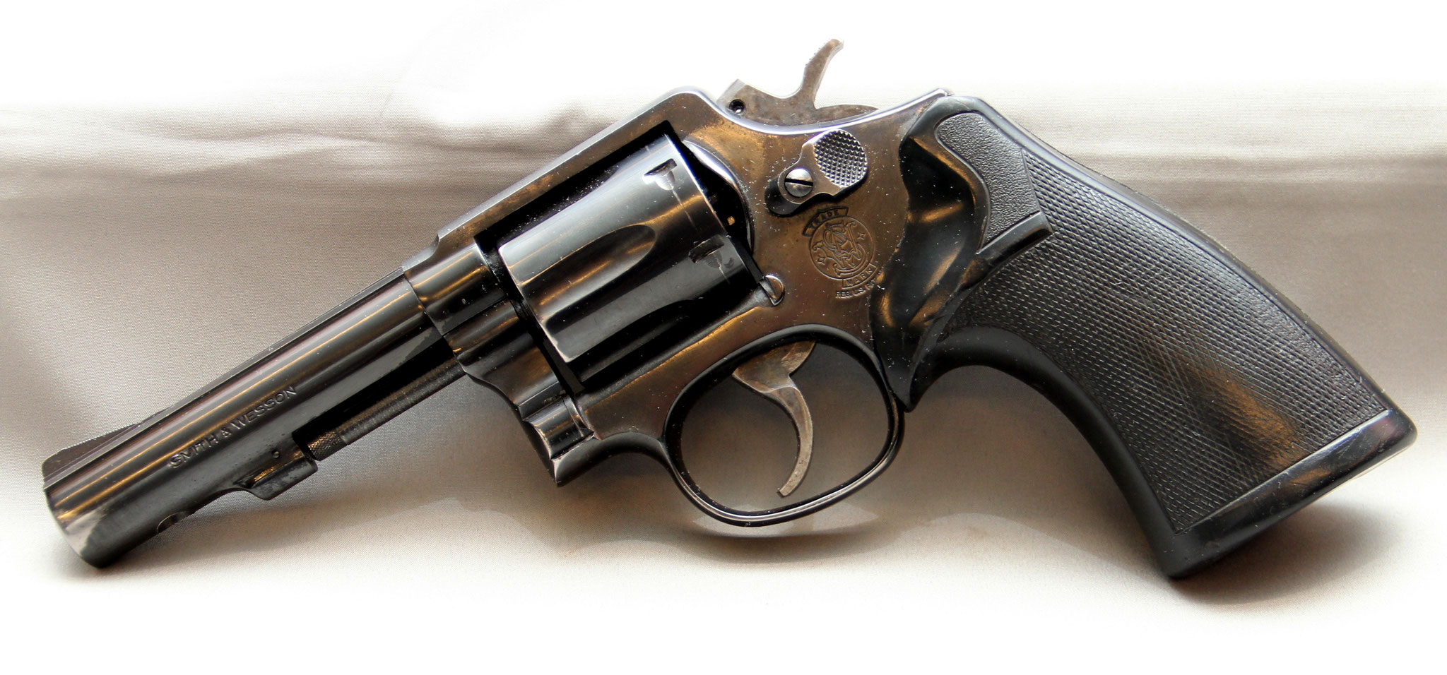 Smith & Wesson 13-3, police, No.: AUL8422. € 450,-