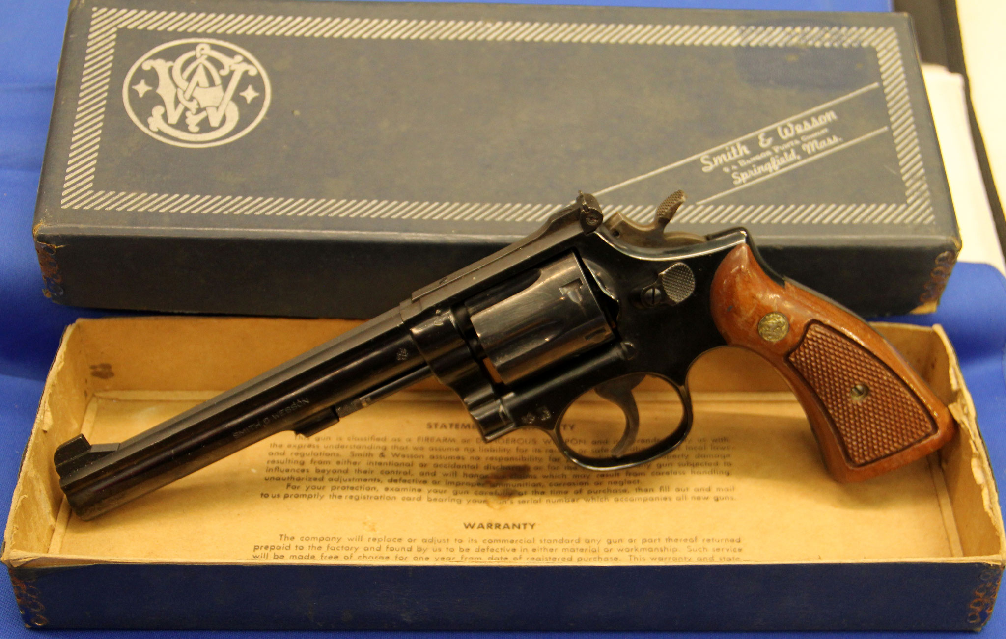 Smith & Wesson model 14-3. Cert. no. 70 € 475,-