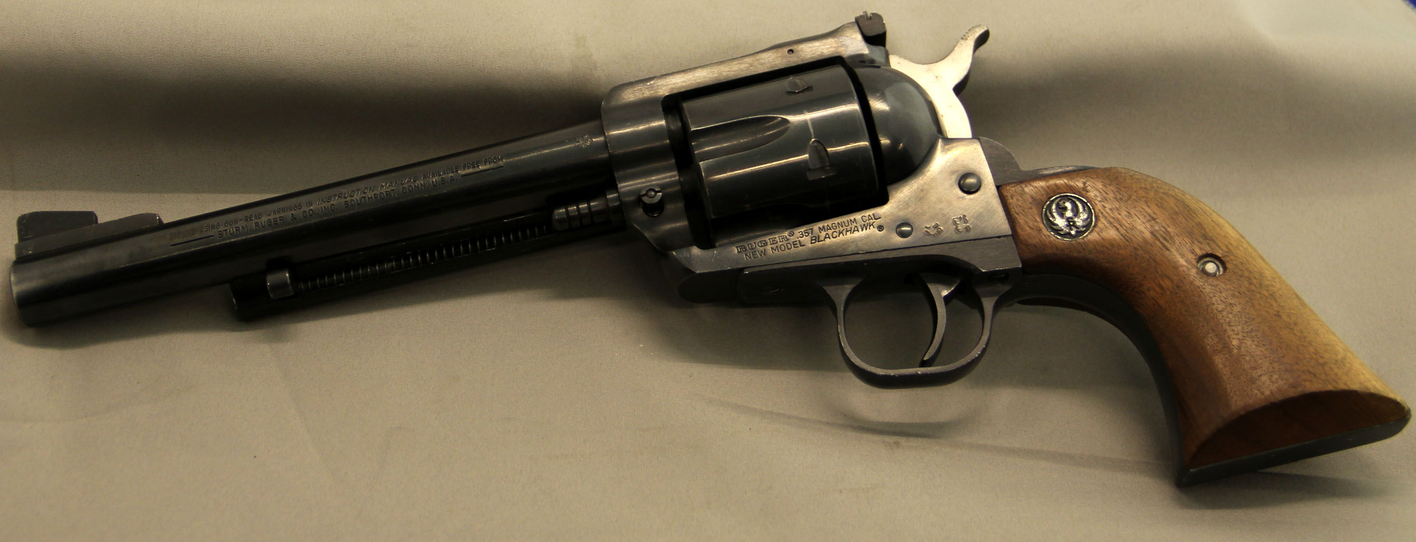 Ruger New Model Blackhawk. Cert. no. 53 € 475,-