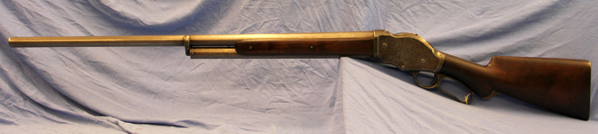 Winchester lever-action, model 1887, uit 1891, kal. 10 BP. € 1650,-