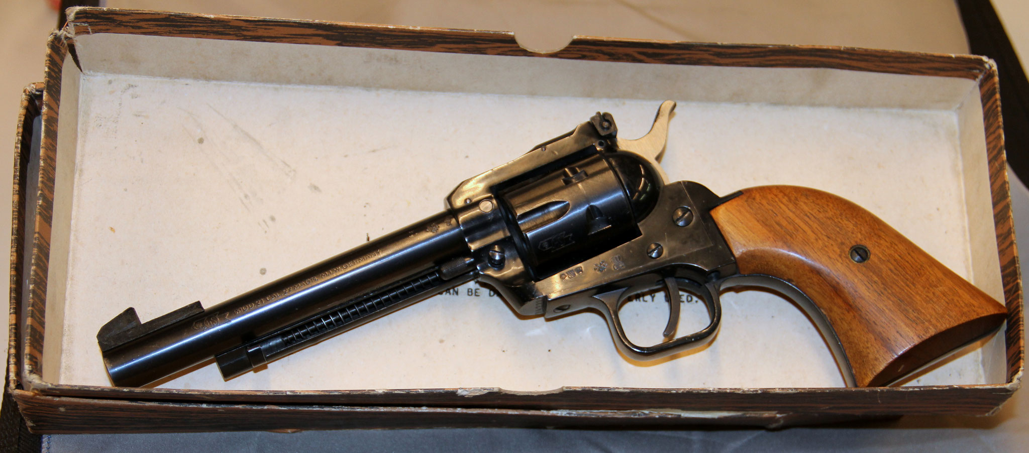HS model 21, met doos. Cert.no. 26 € 350,-