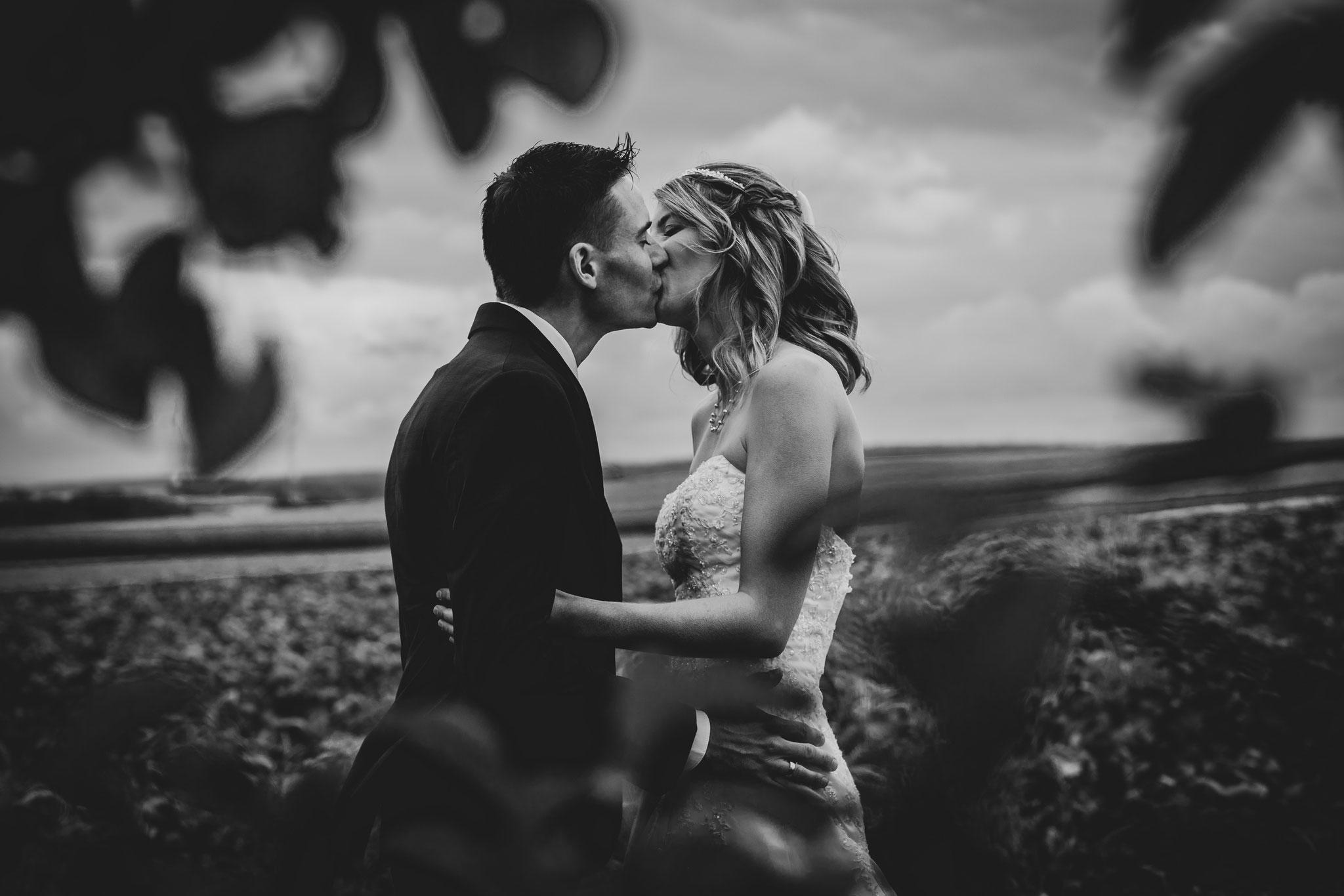 klassische Hochzeitsfotos in schwarz/weiß Fotograf Würzburg