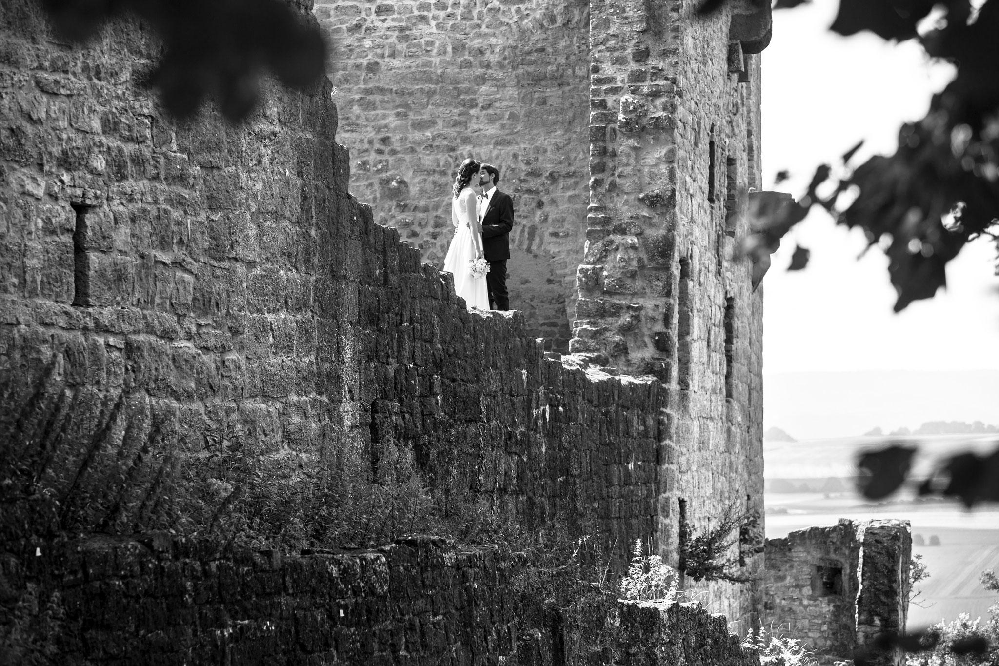 emotionale und natürliche Hochzeitsfotos Burgruine Homburg bei Gössenheim