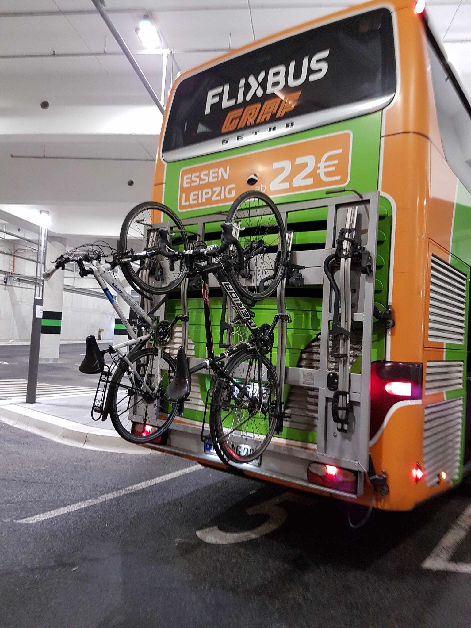 Abfahrt am neuen Leipziger Fernbusterminal