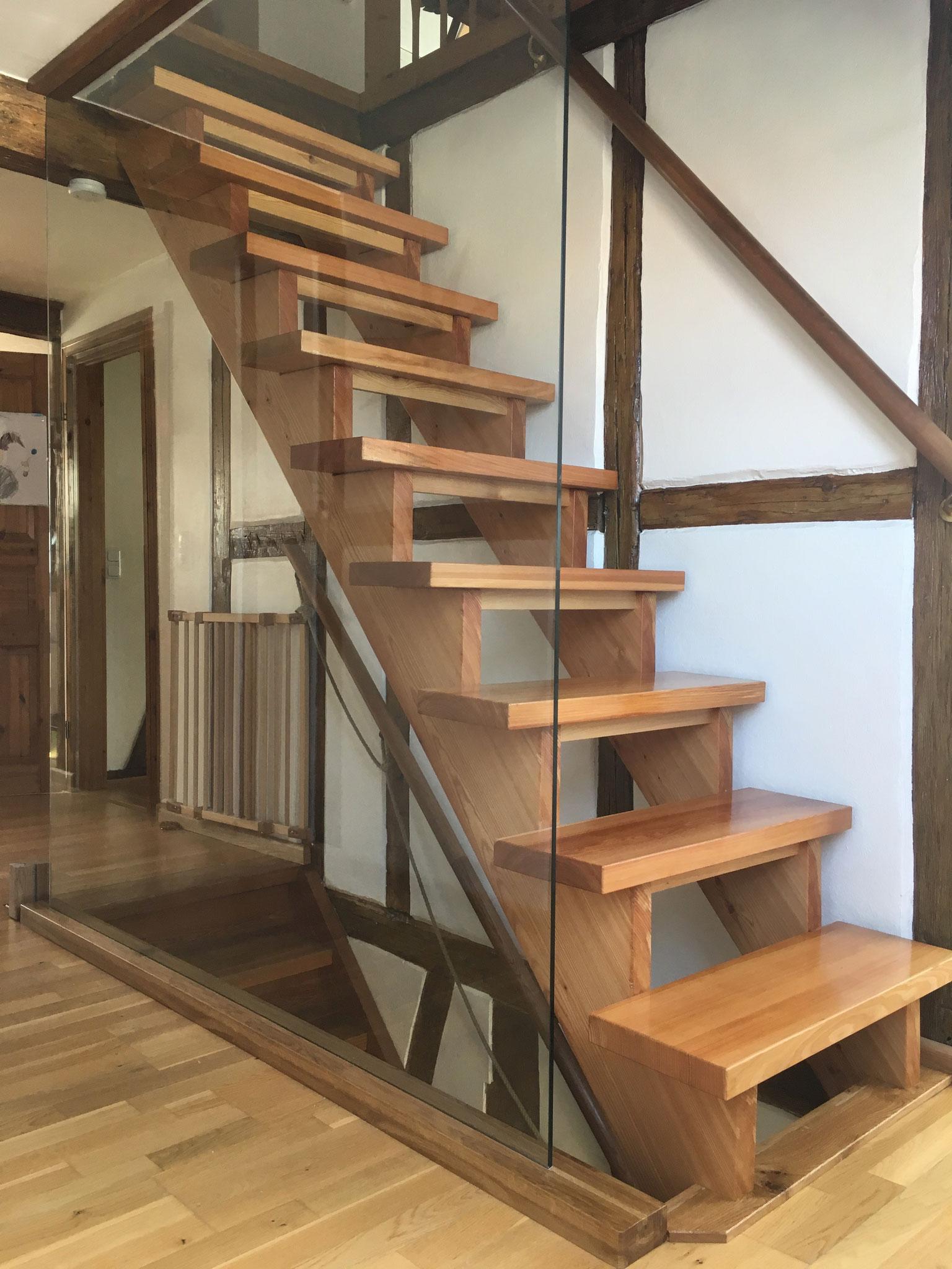 Aufarbeitung von Treppen und Absturzsicherung