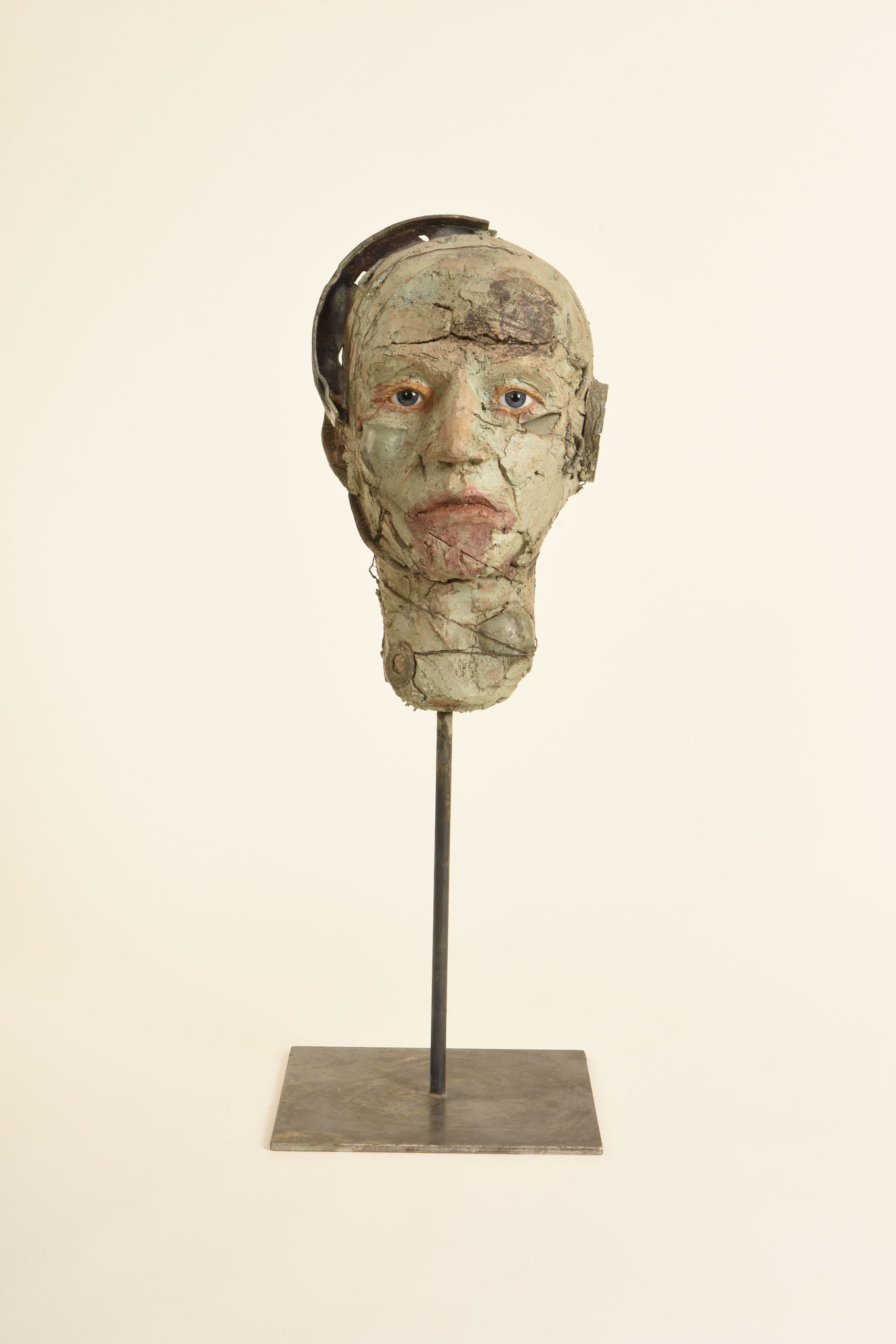 7  |Kopf   2012  Ton, Metall, Glasaugen, glasierte Keramik   58cm