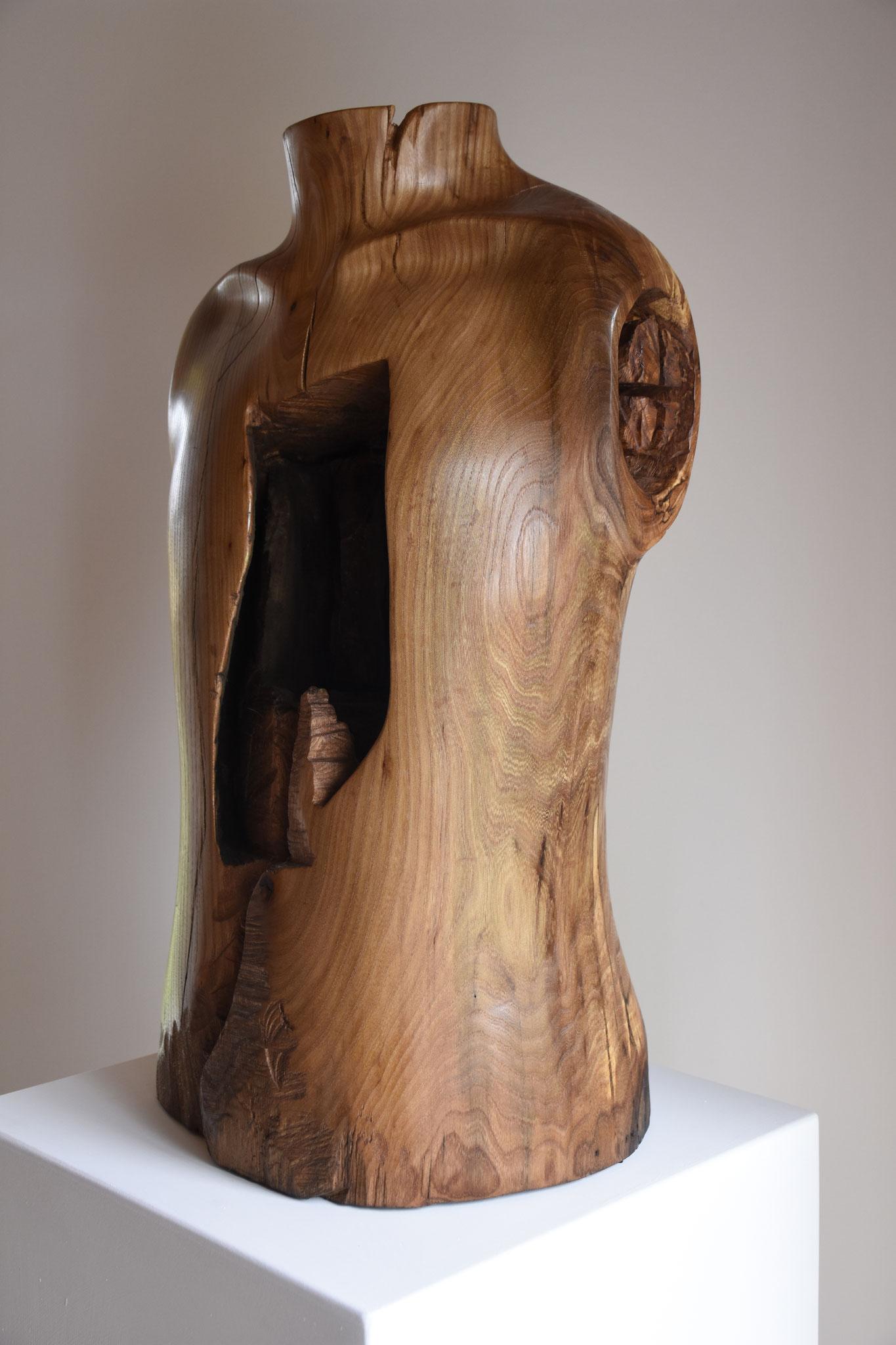 Torso  |  2017  |   Ulme, Keramik, Enkaustik   |   64cm