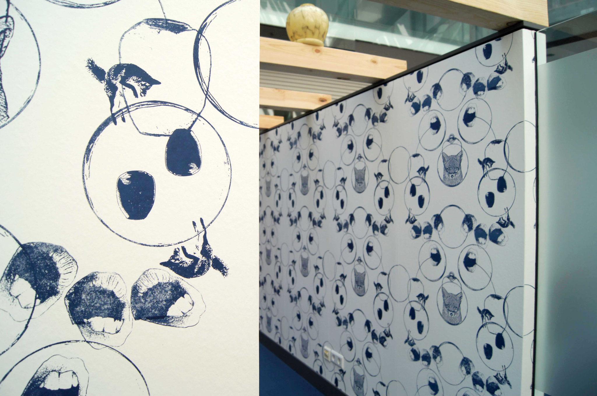 Gefäße  mehrteilige Installation  platziert in einer Bürobox und zwei Glascuben  Ausstellungsansicht: Künstlerräume & Wunderkammer  Nassauische Sparkasse Wiesbaden, 2016