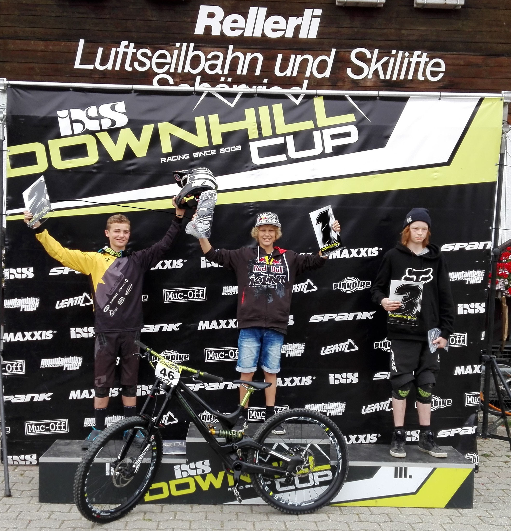 1. Platz in der IXS Rookie Downhill U 15 Jahreswertung 2016