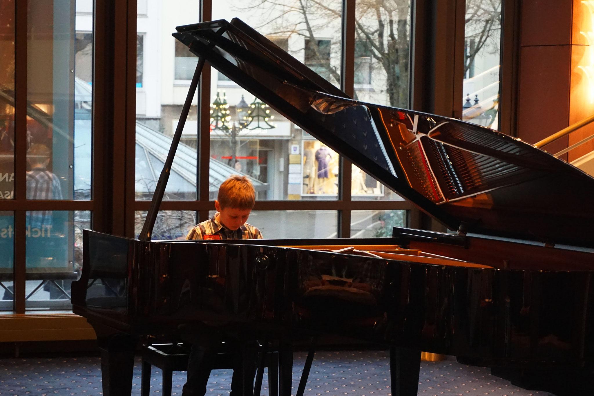 Kinder und Jugendliche musizieren am 4. Dezember 2016