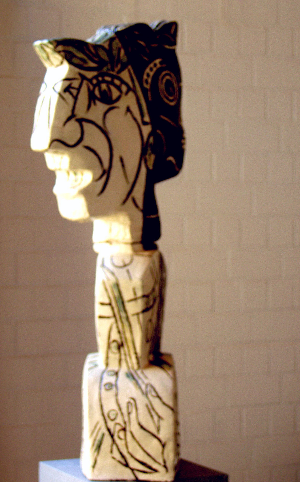 Orpheus blickt zurück, weißer Ton bemalt,  Höhe = 105 cm