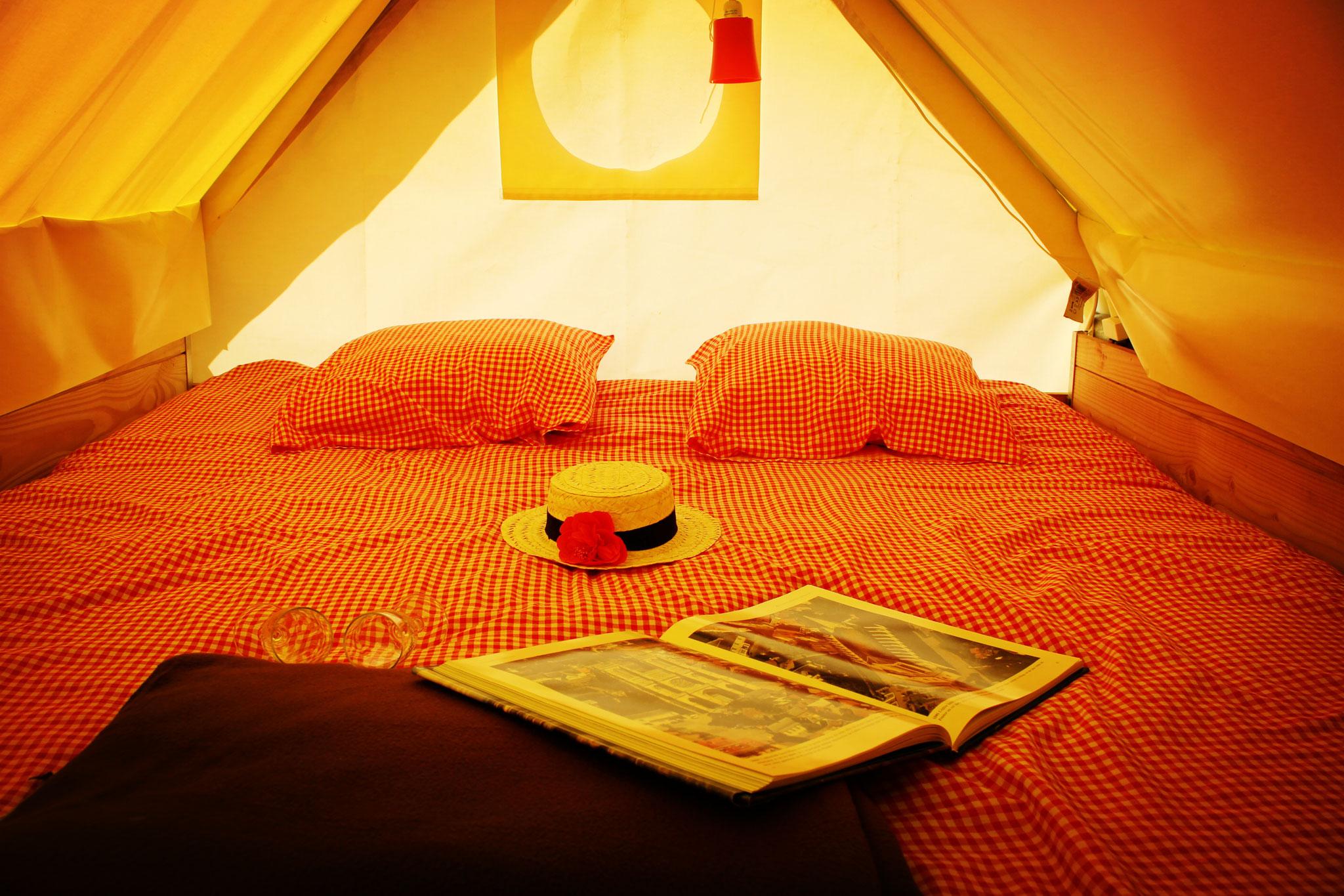 Profiter un séjour dans une tente perchée romantique pour couple