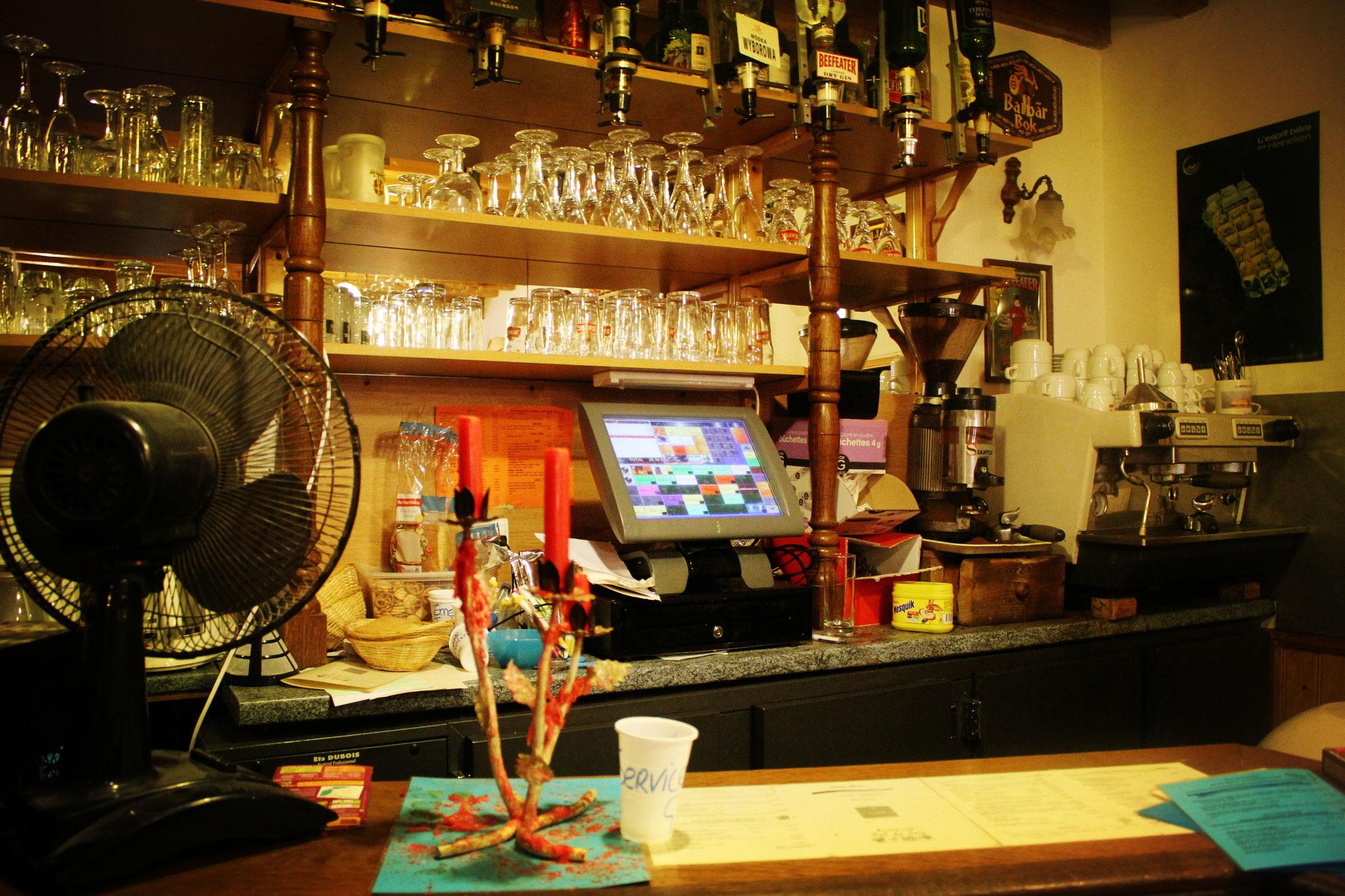 Réserver un séjour insolite avec bar et épicerie dans le camping à St Valery
