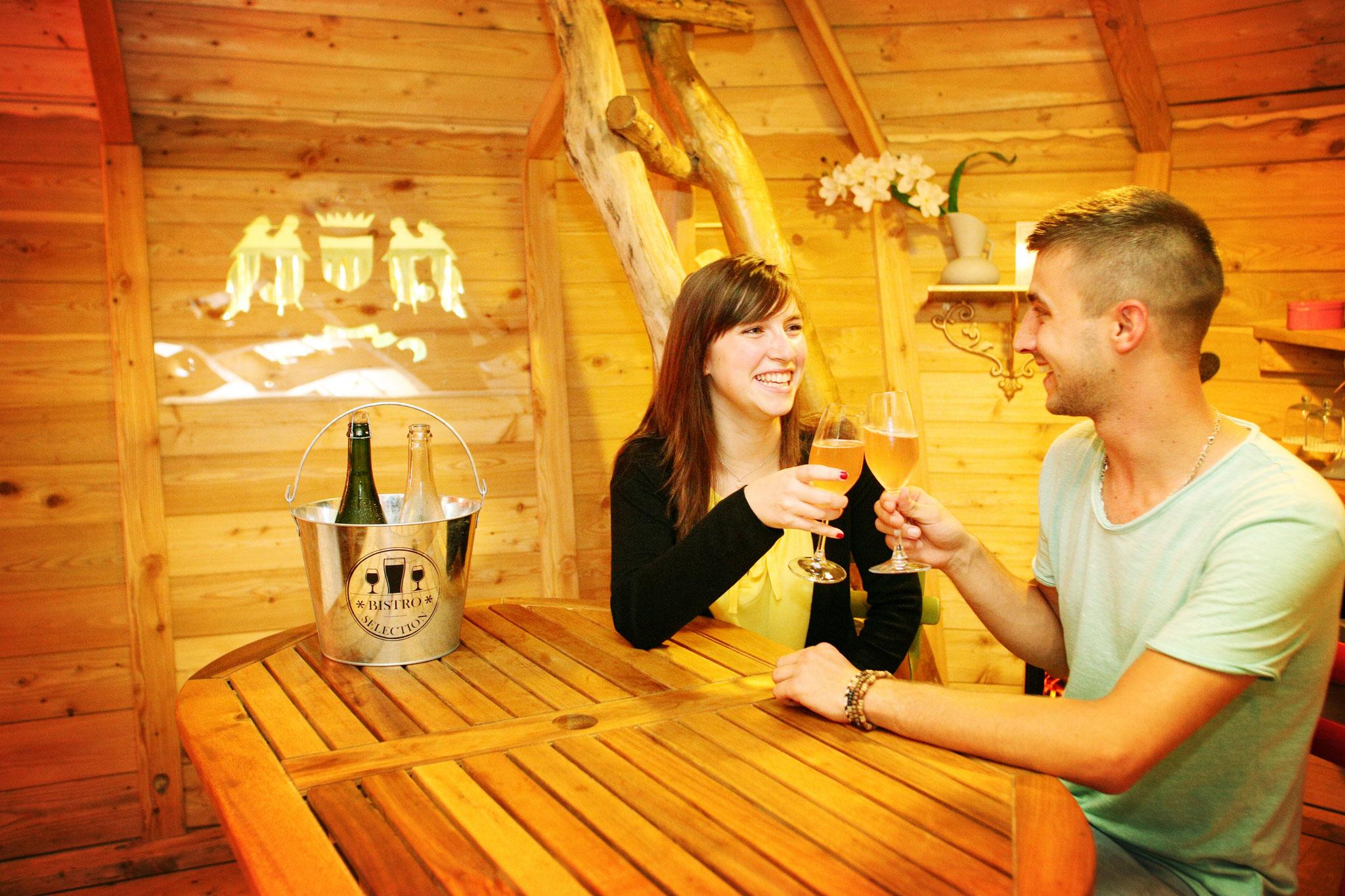 Cabane dans les arbres romantique avec spa et massage en Baie de Somme