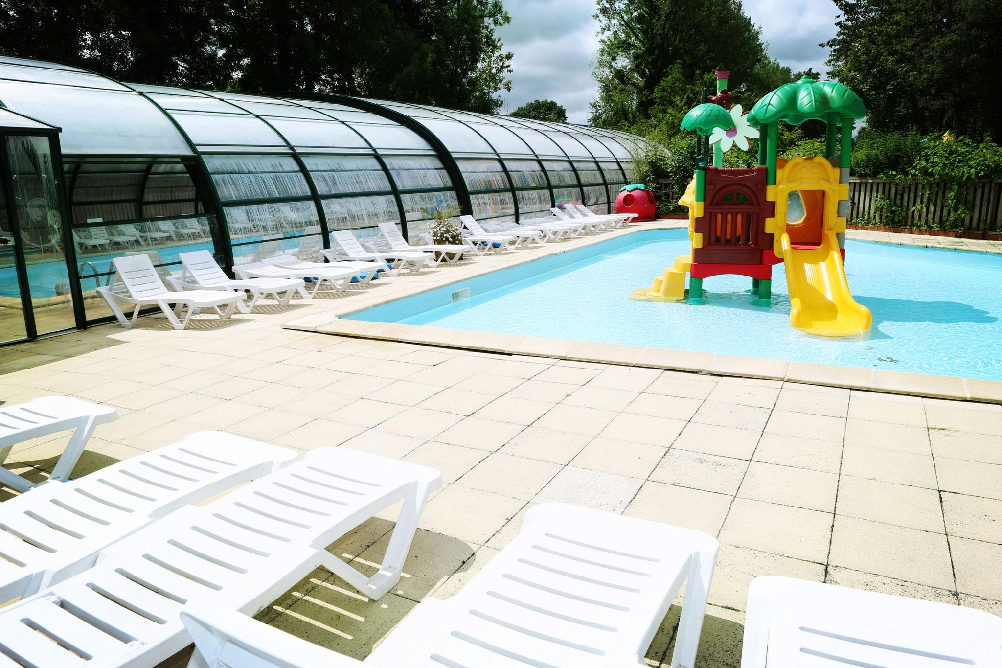 Réserver un séjour dans le camping avec parc aquatique et piscine couverte