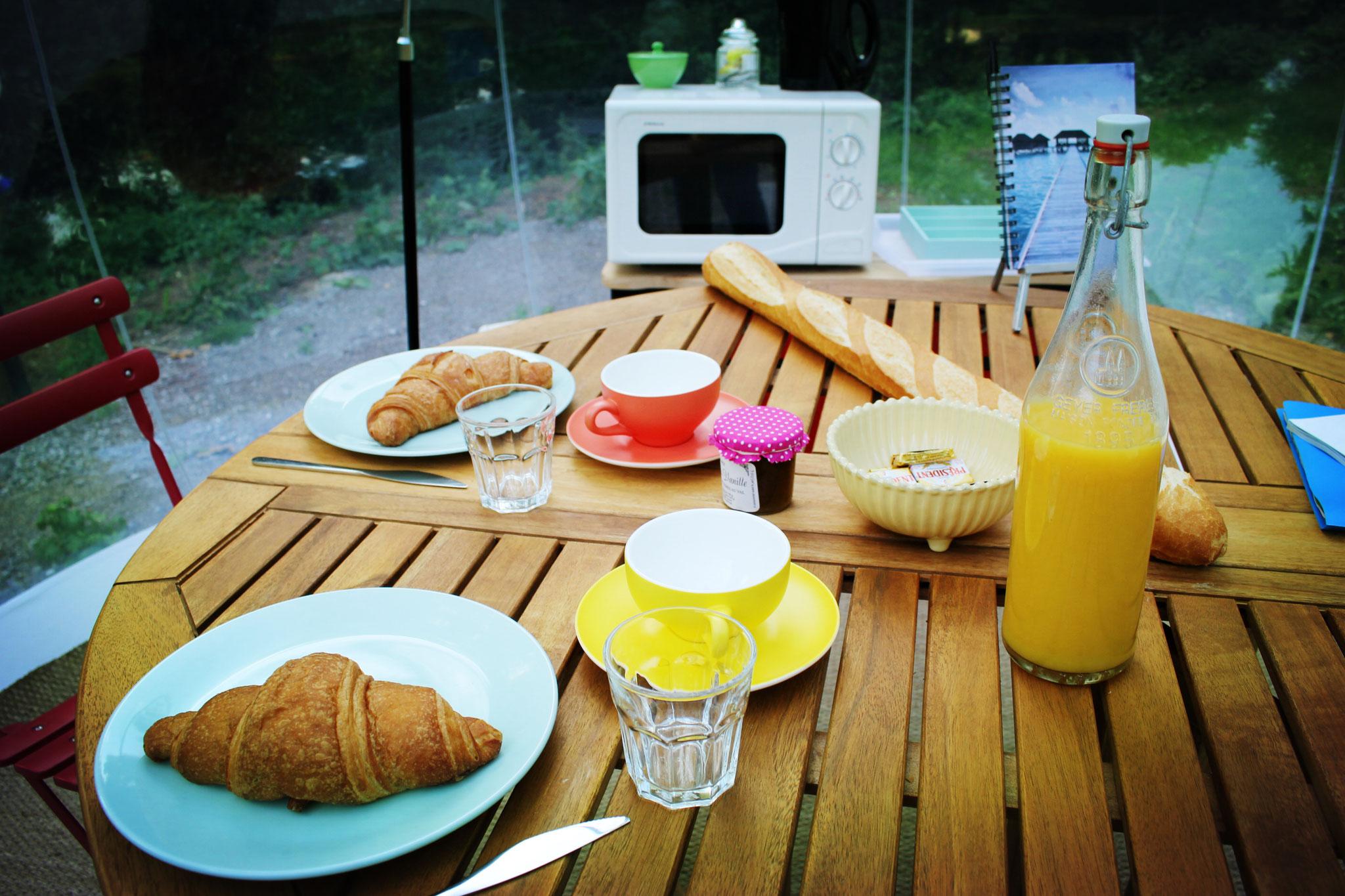 Passer une nuit insolite dans la bulle romantique avec petit-déjeuner