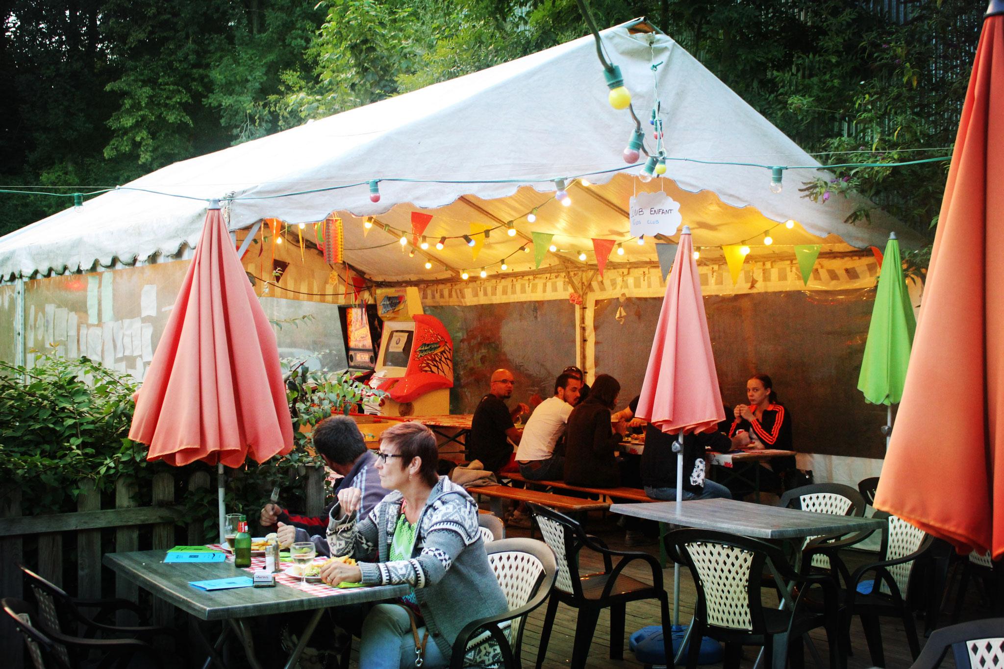 Brasserie et bar avec terrasse dans le camping en Baie de Somme