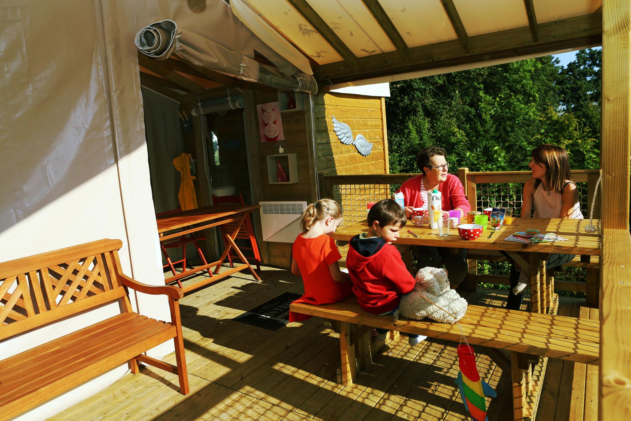 Réserver un séjour insolite avec petit-déjeuner dans une Tente Ecolodge