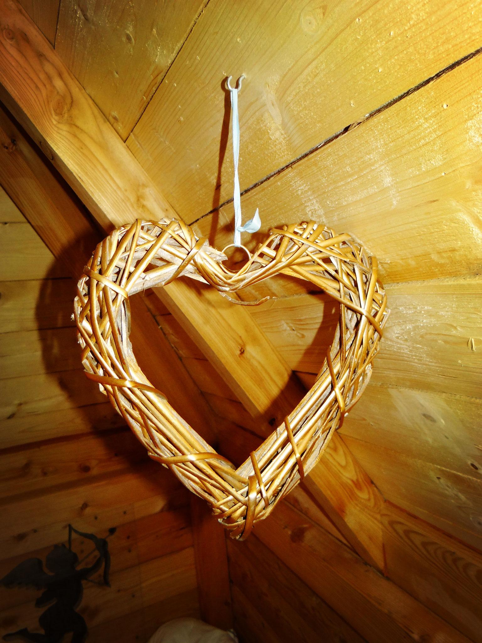 Cabane familiale pour 4 personnes avec décoration romantique