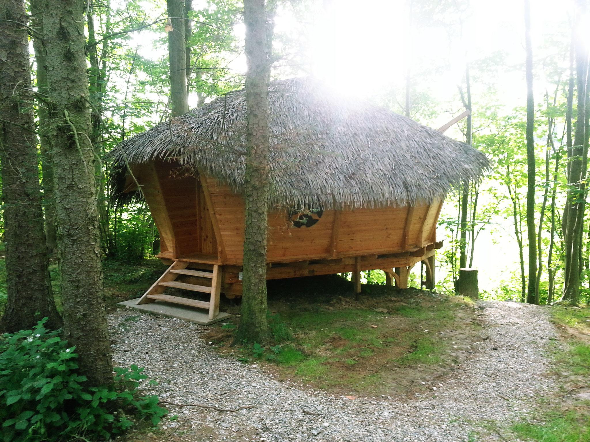 cabane retour d 39 orient 2 3 personnes location insolites bulle cabanes dans les arbres avec. Black Bedroom Furniture Sets. Home Design Ideas