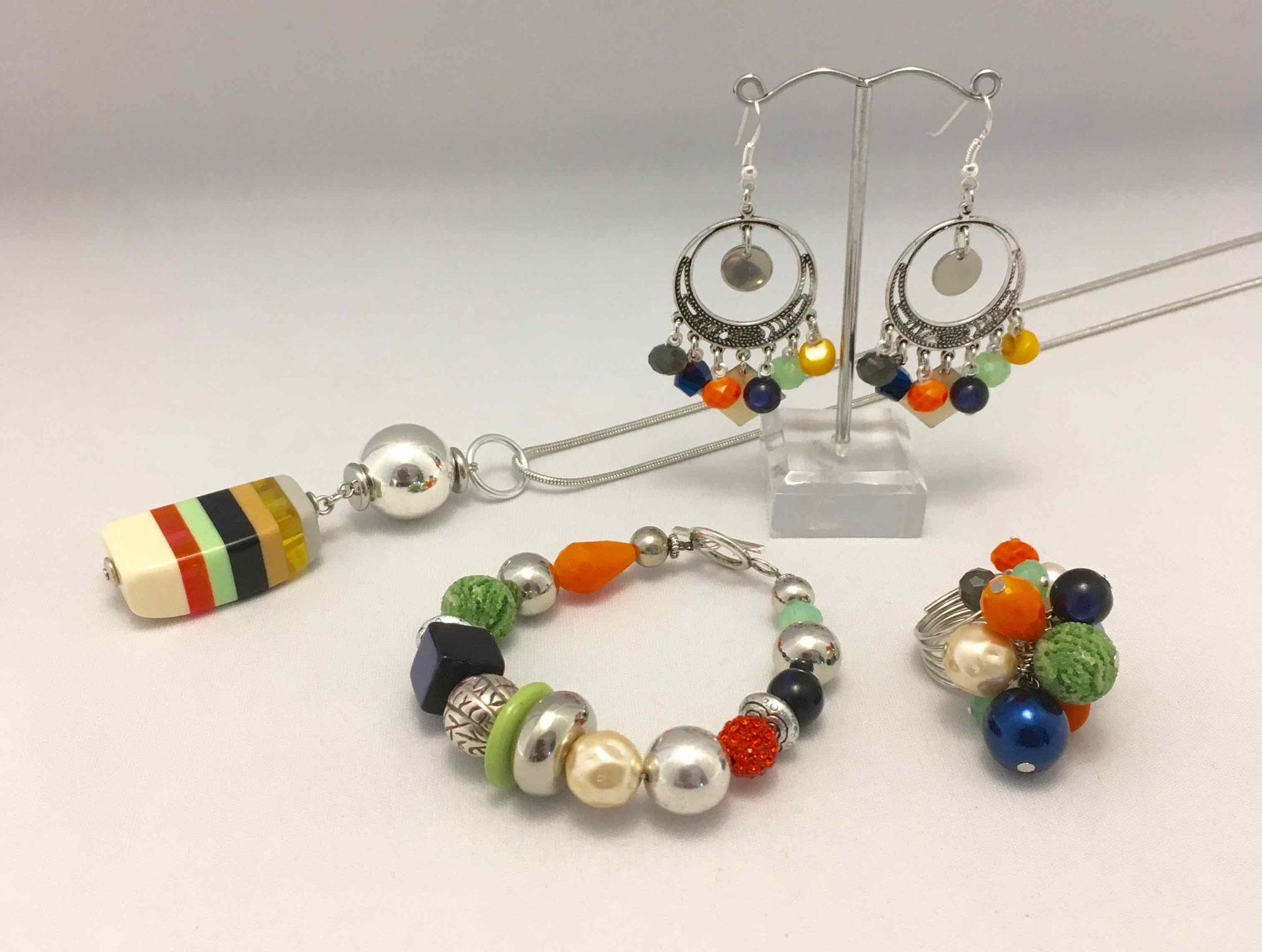 Chagoë, Collier 2 en 1, bracelet, BO & bague Eclatante ,  Collection MULTICOLORE  2017