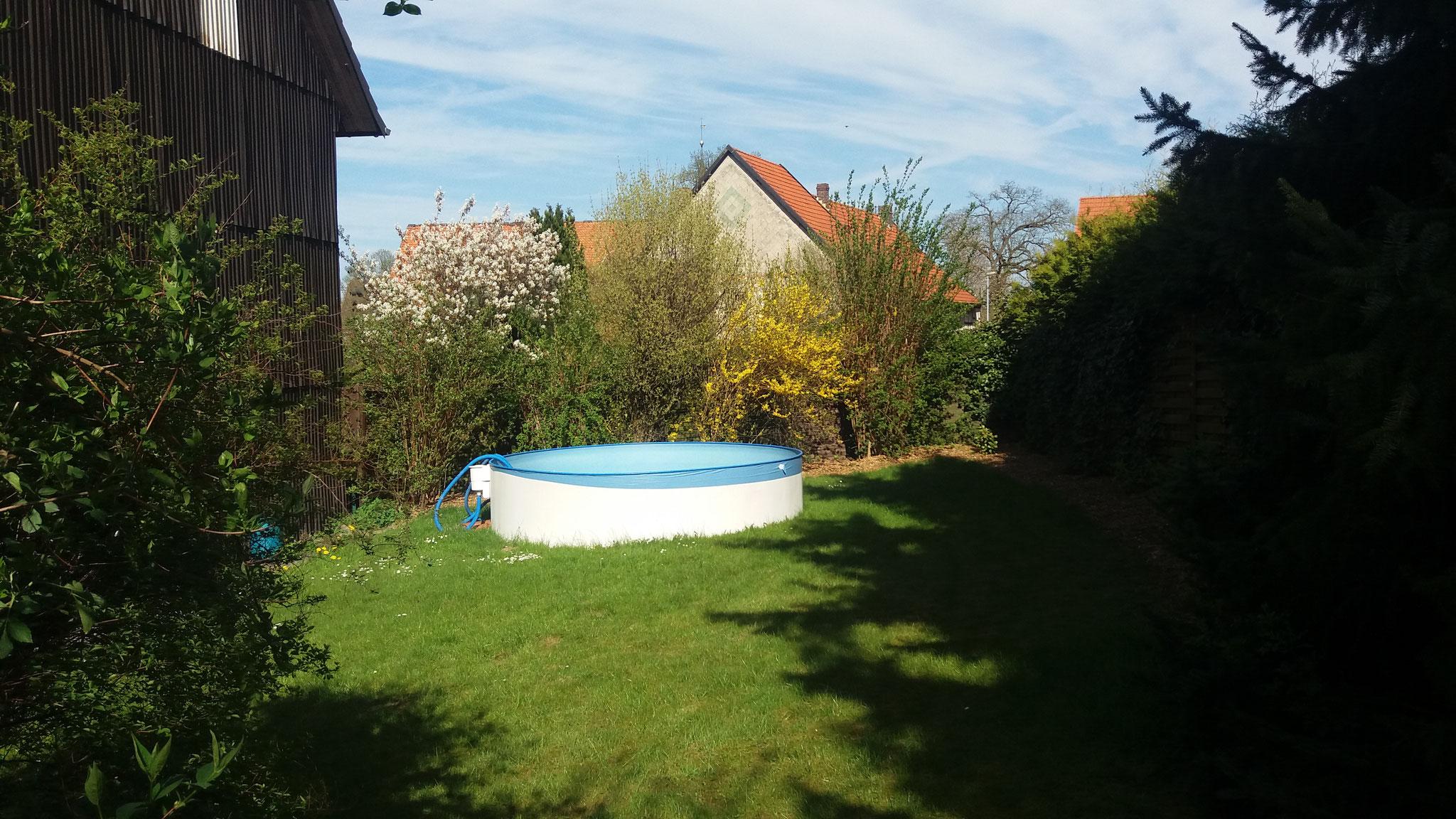Der Pool sorgt im Sommer für die nötige Abkühlung