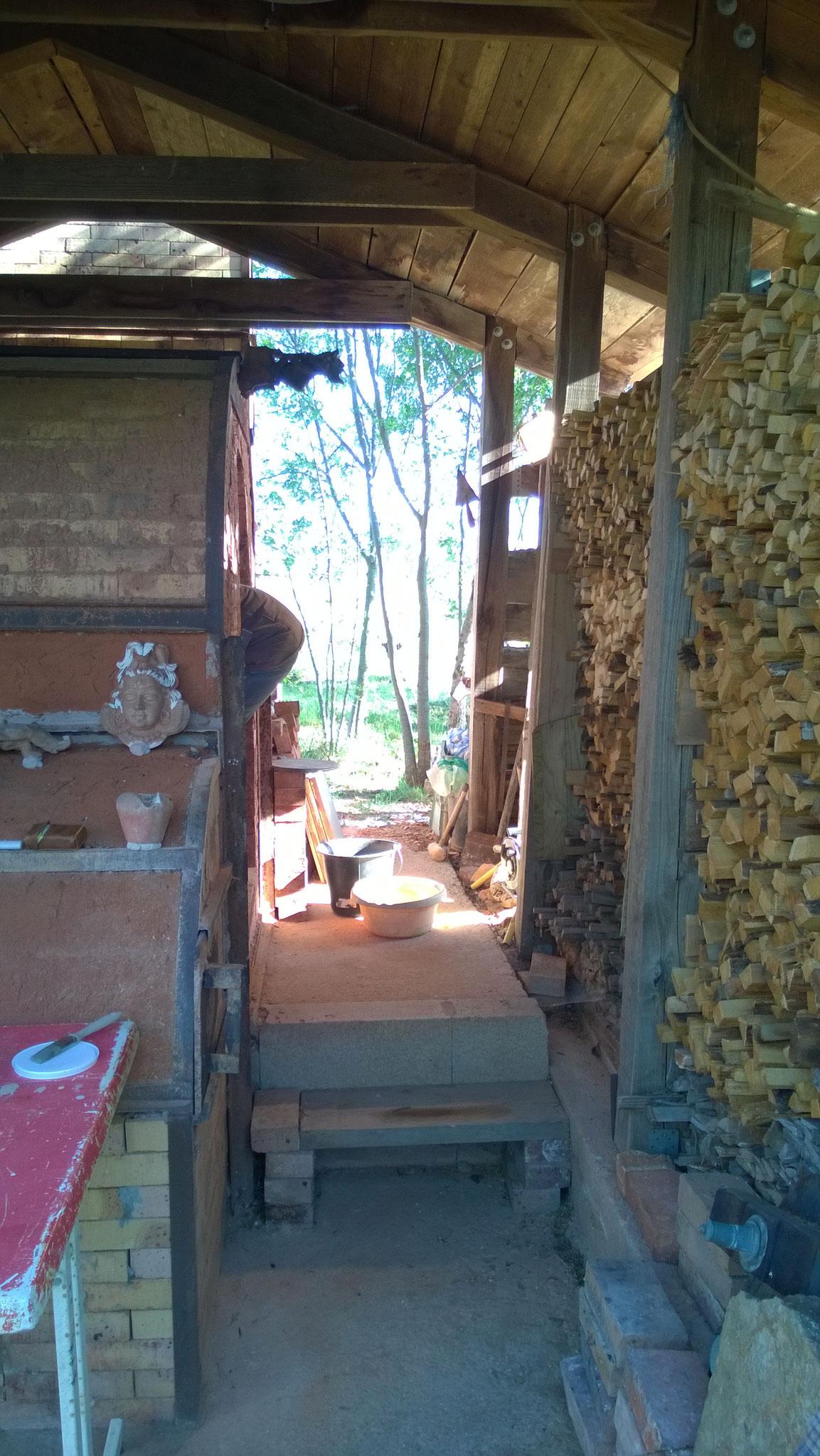 Rangement du bois autour du Four - Noborigama de Caco et Sylvie -
