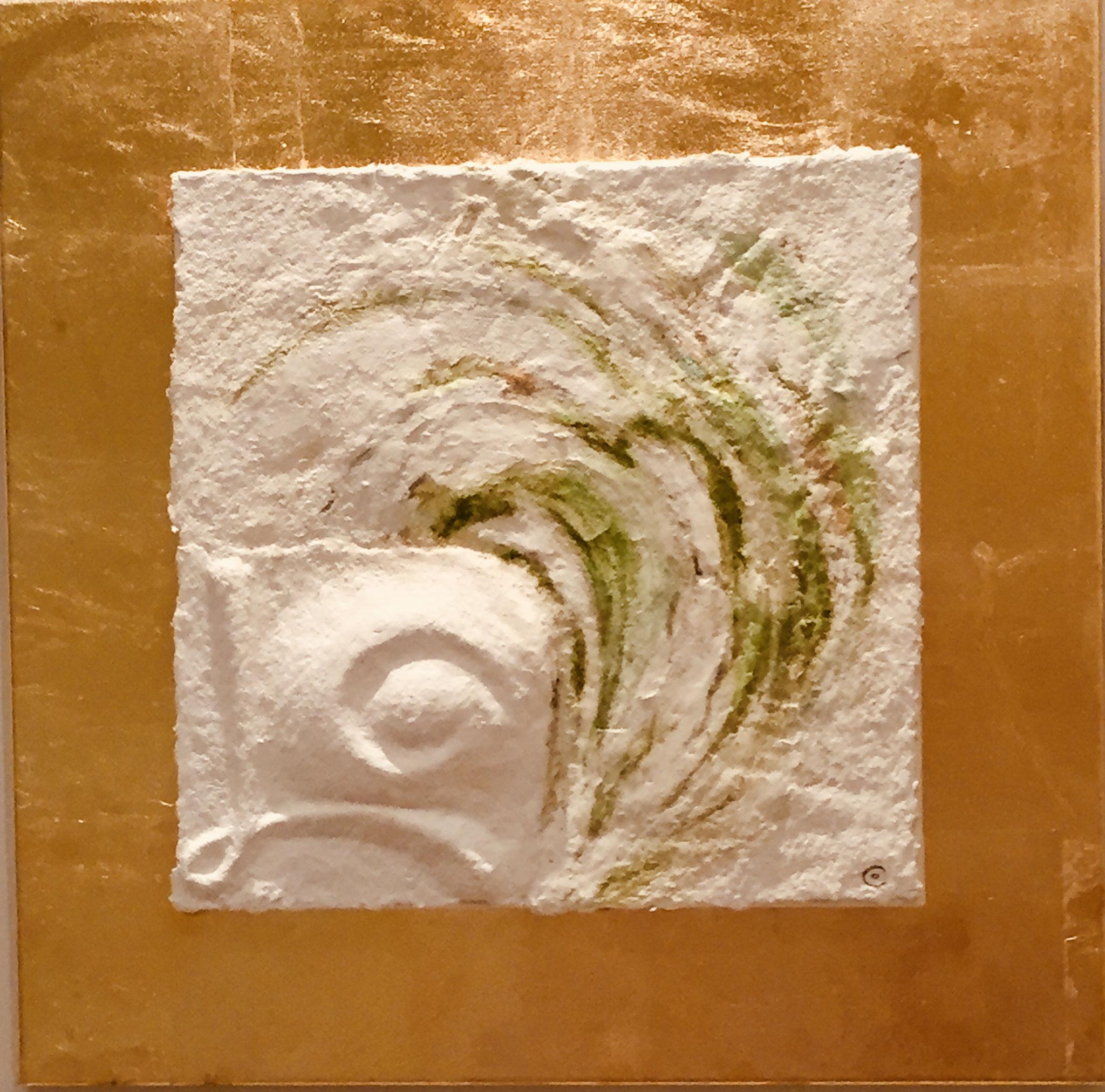 Sternzeichen Stier, handgeschöpftes, geprägtes und energetisiertes Papier auf Blattmetall - Coloriert