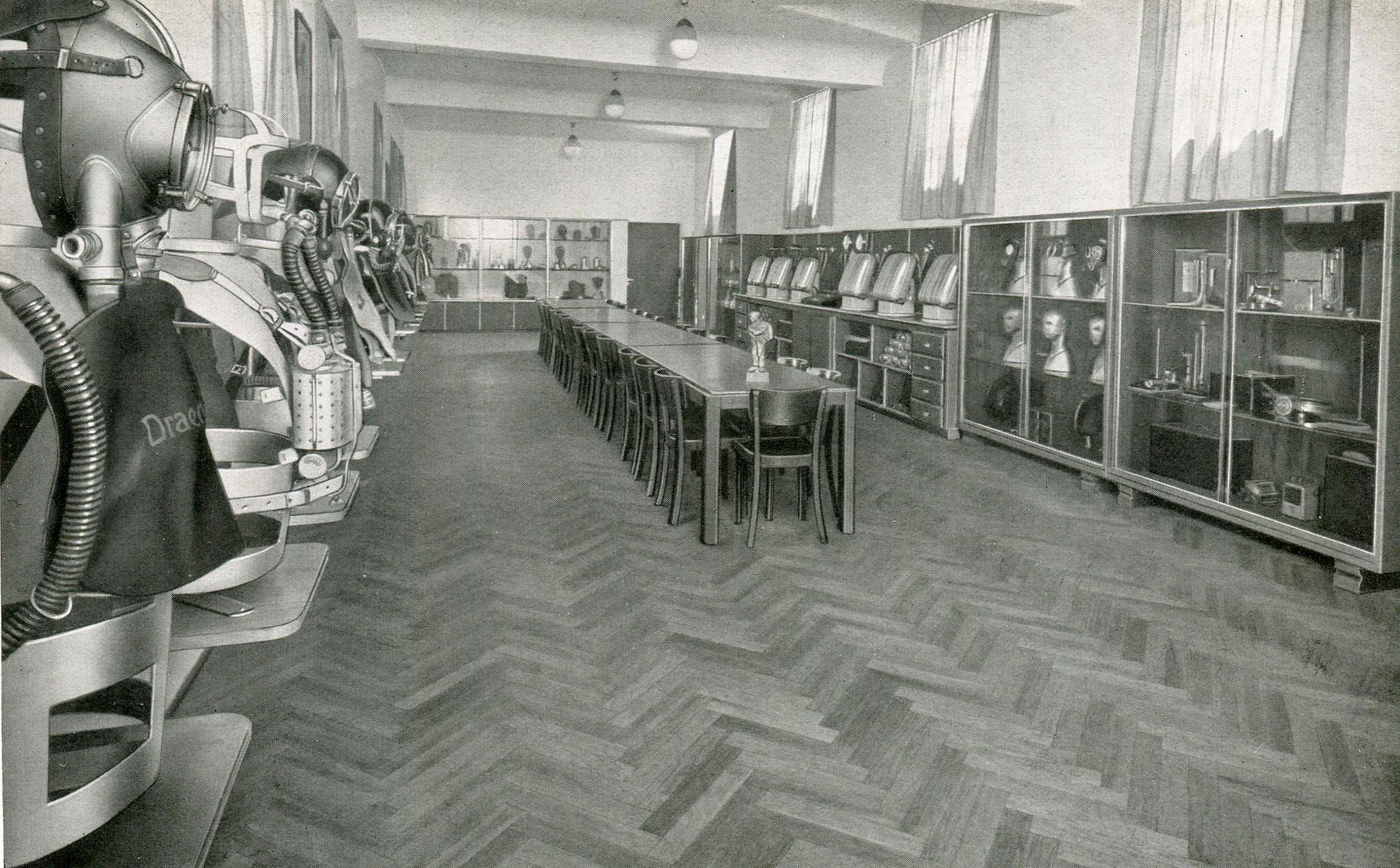 Geräte und Lehrsaal Duisburg-Hamborn Direktionsgebäude  1937