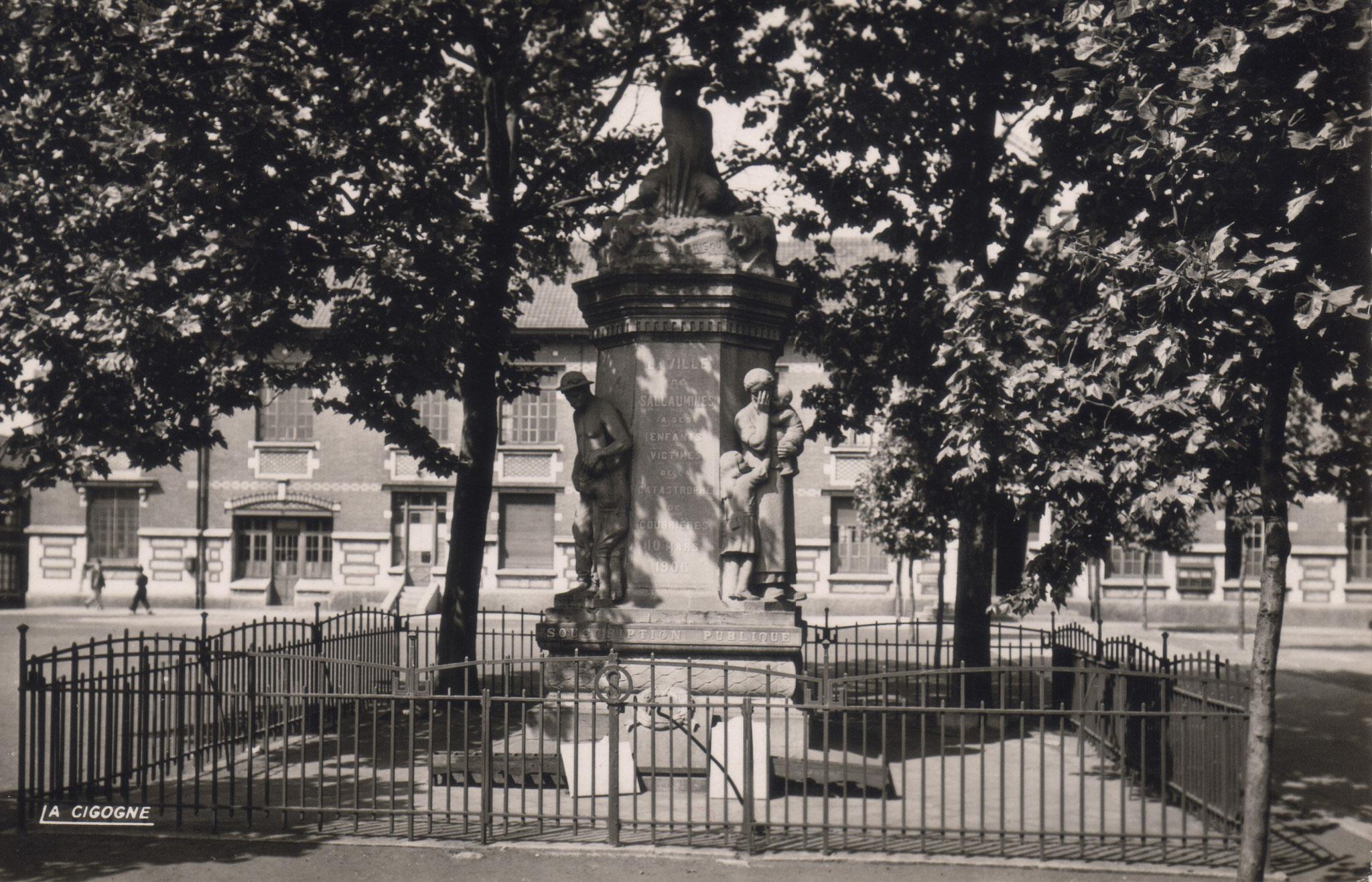 Denkmal von Courrieres errichtet nach 1918