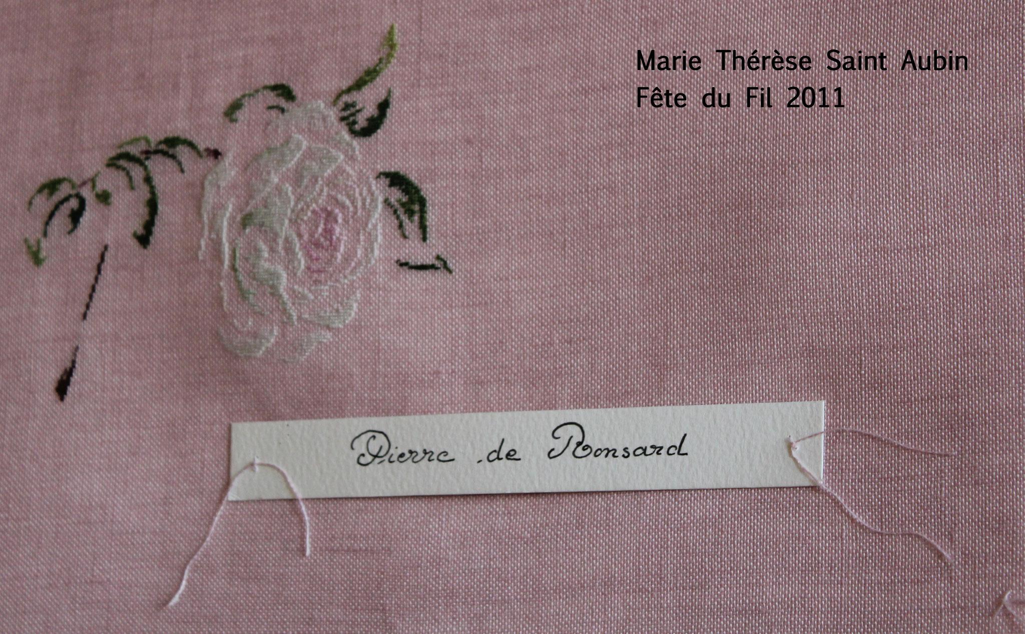 Marie Thérèse Saint Aubin, broderie. Fête du Fil 2011  Labastide Rouairoux (tarn-81270) FRANCE
