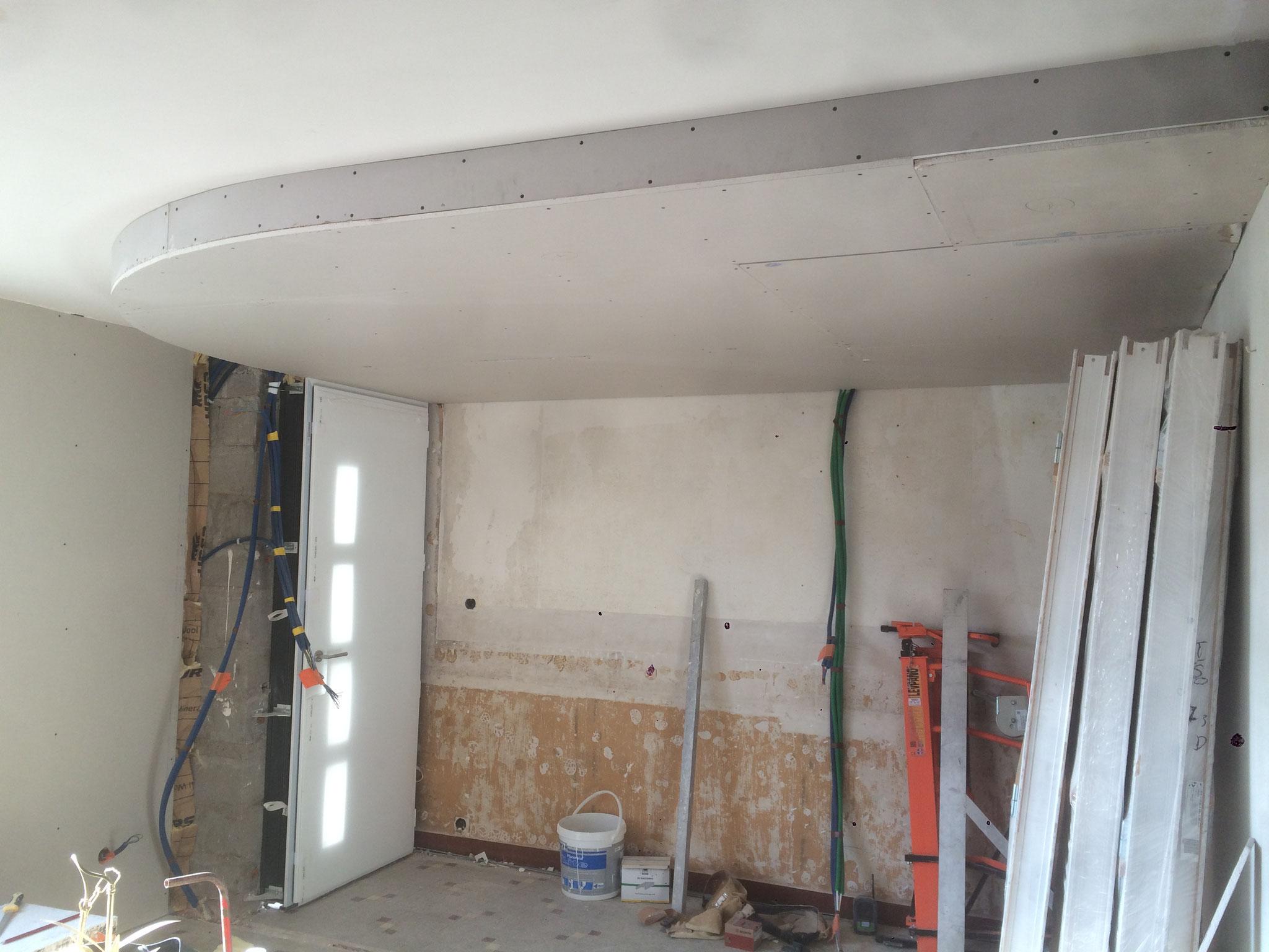 création d'une retombée de plafond  en placoplatre