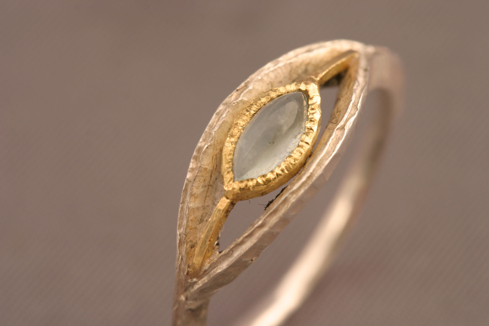 Aquamarin, 750er Waschgold (gelb), 935er Silber