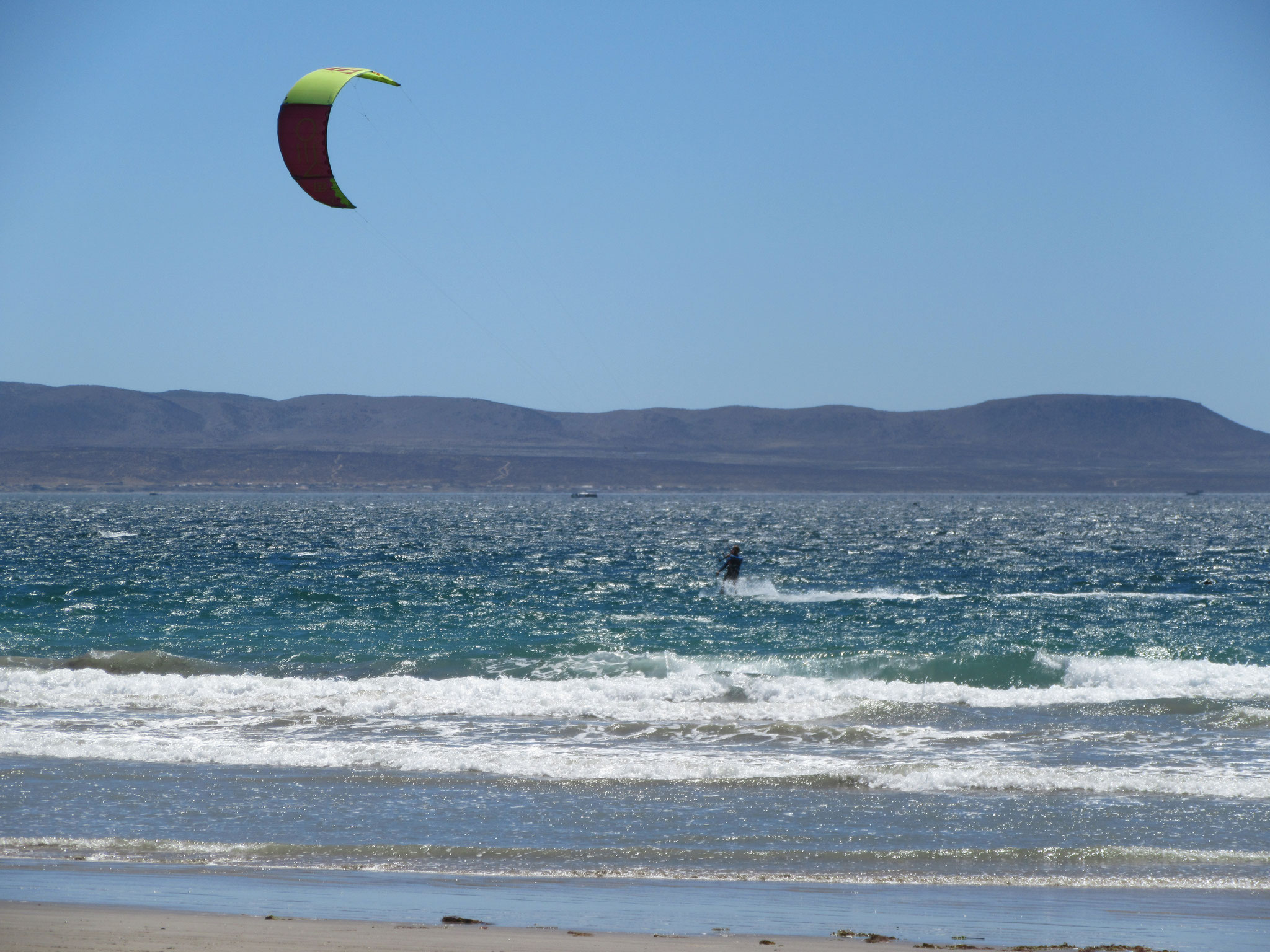 Kitesurfing in Tongoy