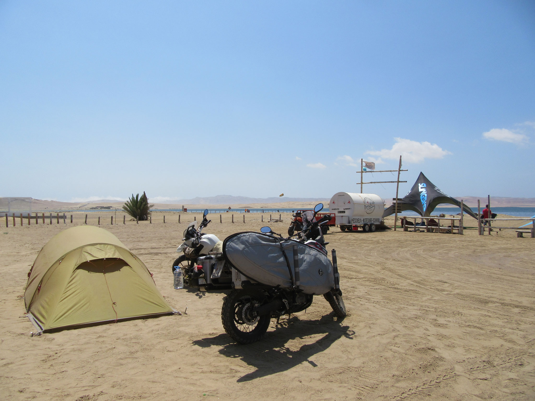 Camping at the kitespot in Paracas