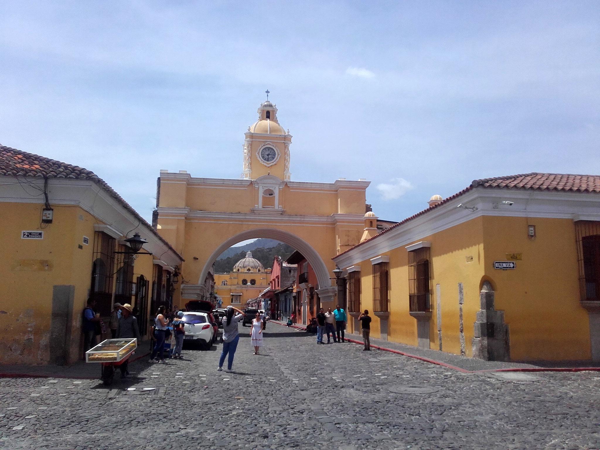 Arco de Santa Catalina, Antigua