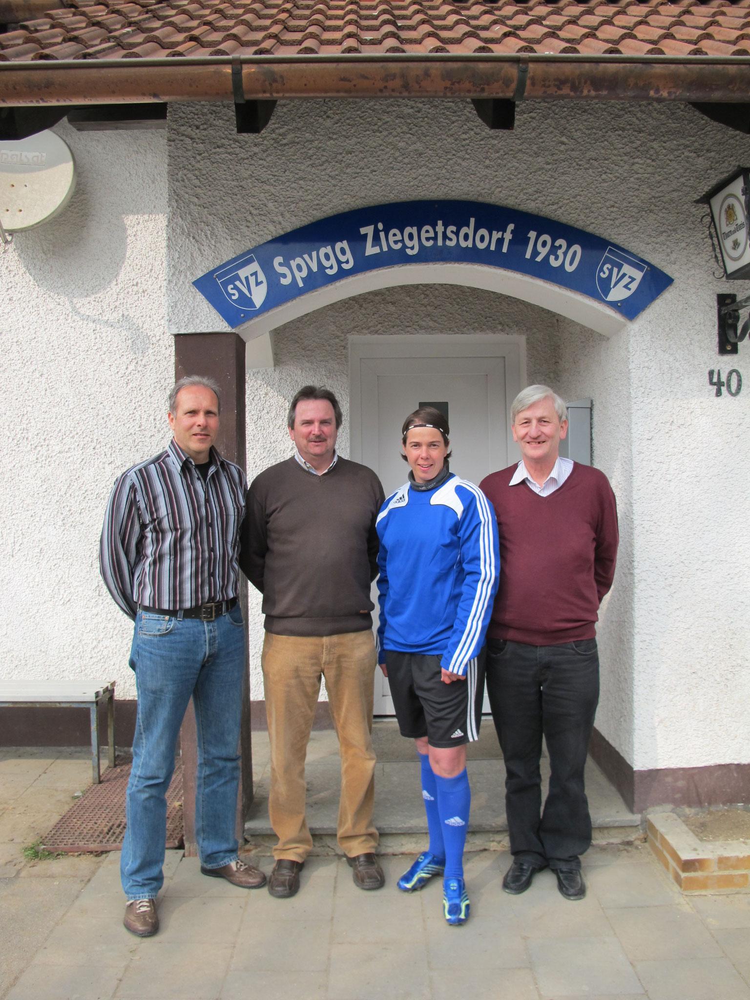 Im Jahr 2011 übergibt der langjährige 1. Vorsitzende Günther Dietz (rechts) die Vorstandschaft an Hans-Peter Lintl (links)
