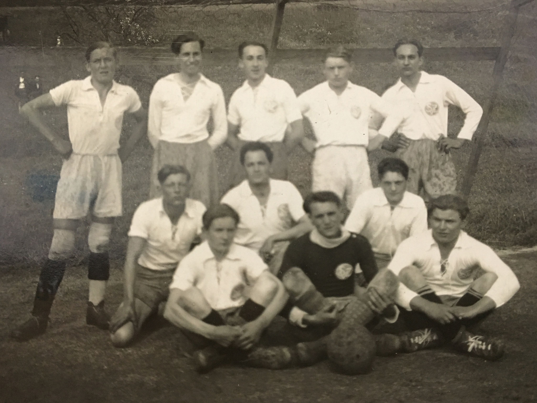 Die 1. Mannschaft der SpVgg Ziegetsdorf aus dem Jahr 1931