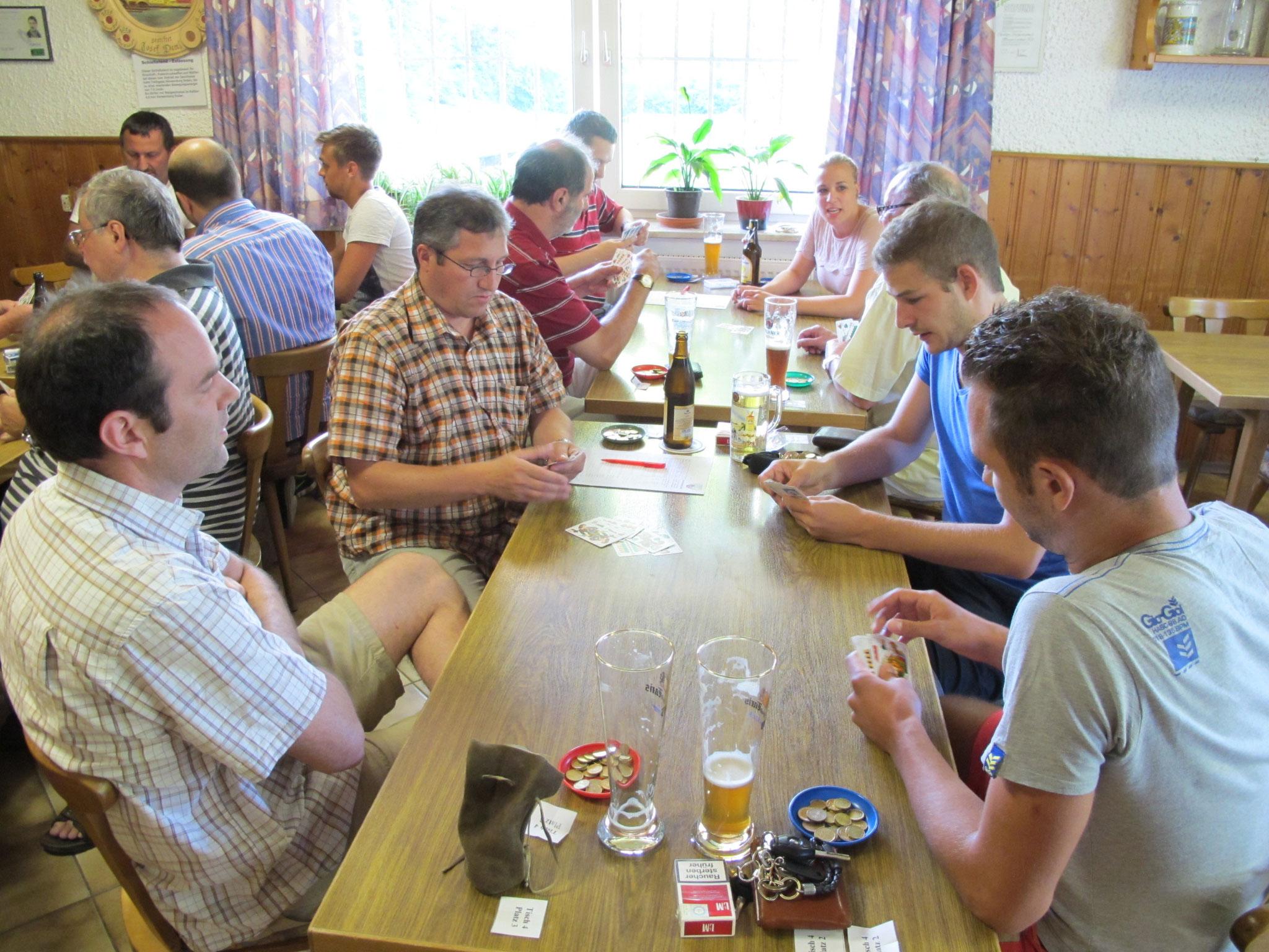 Im Jahr 2013 fand erstmals ein Schafkopfturnier der SpVgg Ziegetsdorf statt