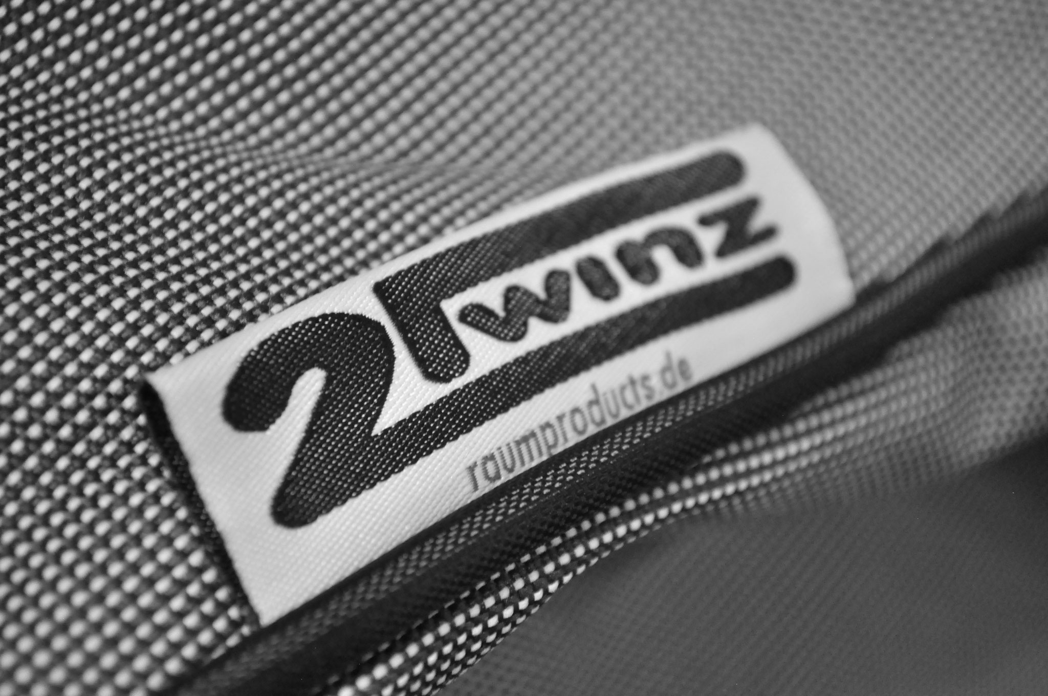 2Twinz Original Label