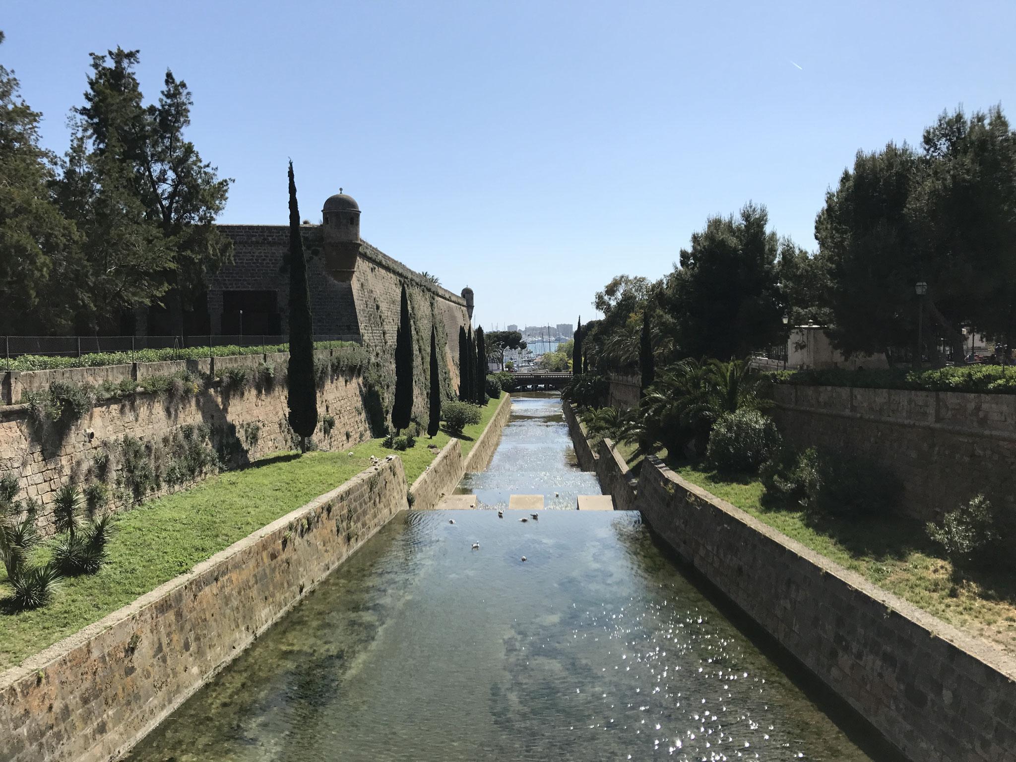 Palma -- Stadtmauer und -graben