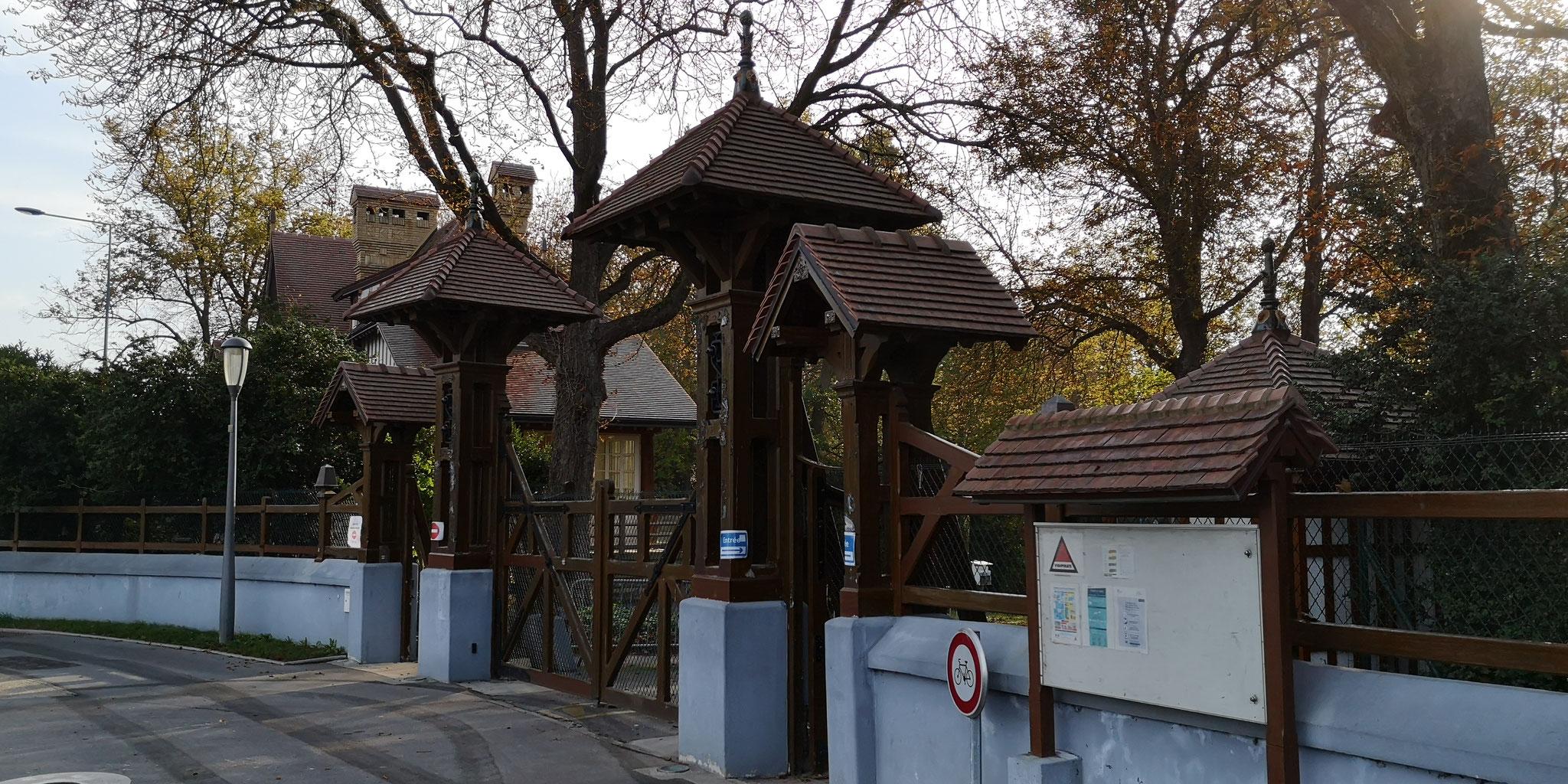 L'entrée du parc de Champagne