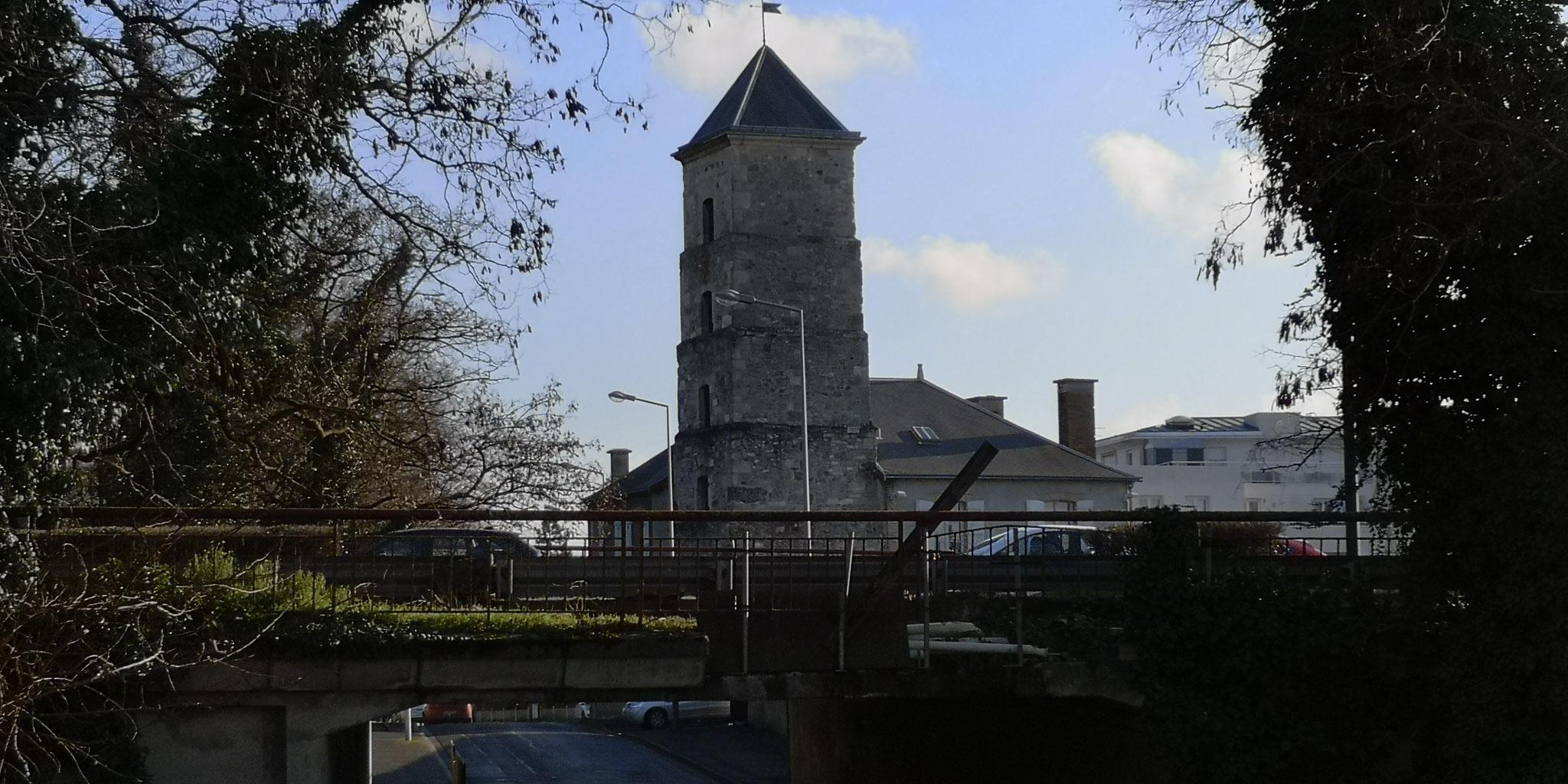 L'usine d'élévation des eaux ou tour de Féry