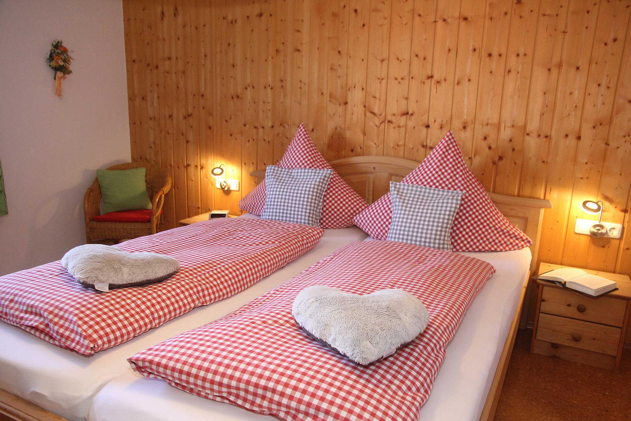 Doppelbett in Komfortlänge 2,20m