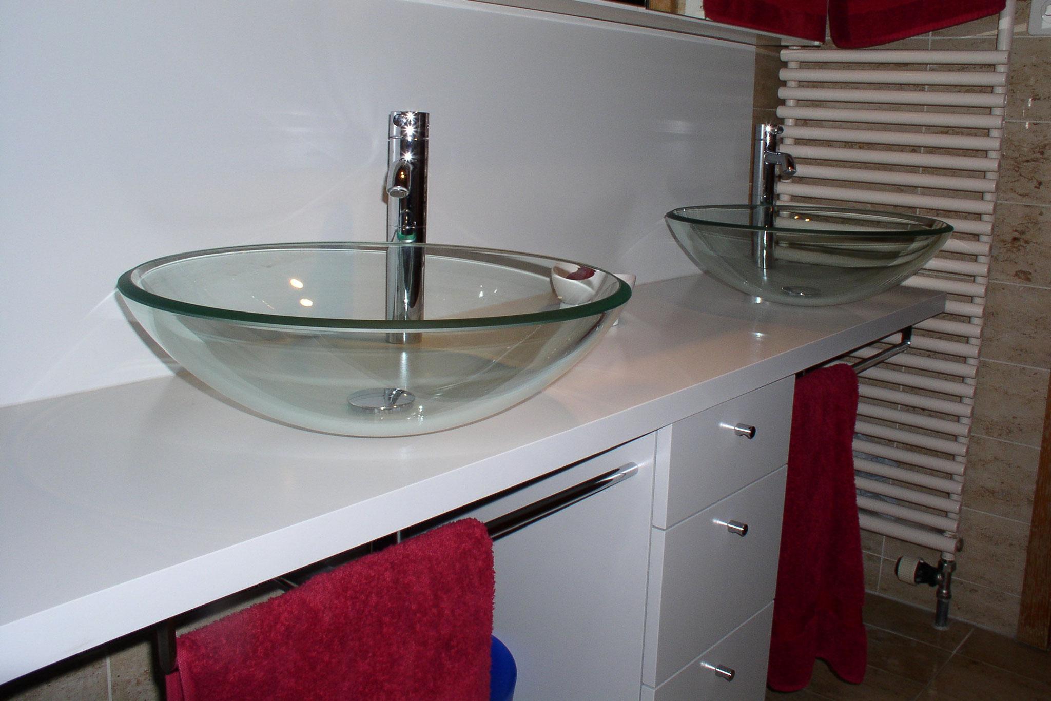 Badzimmermöbel aus MDF Grundierfolie weiss lackiert
