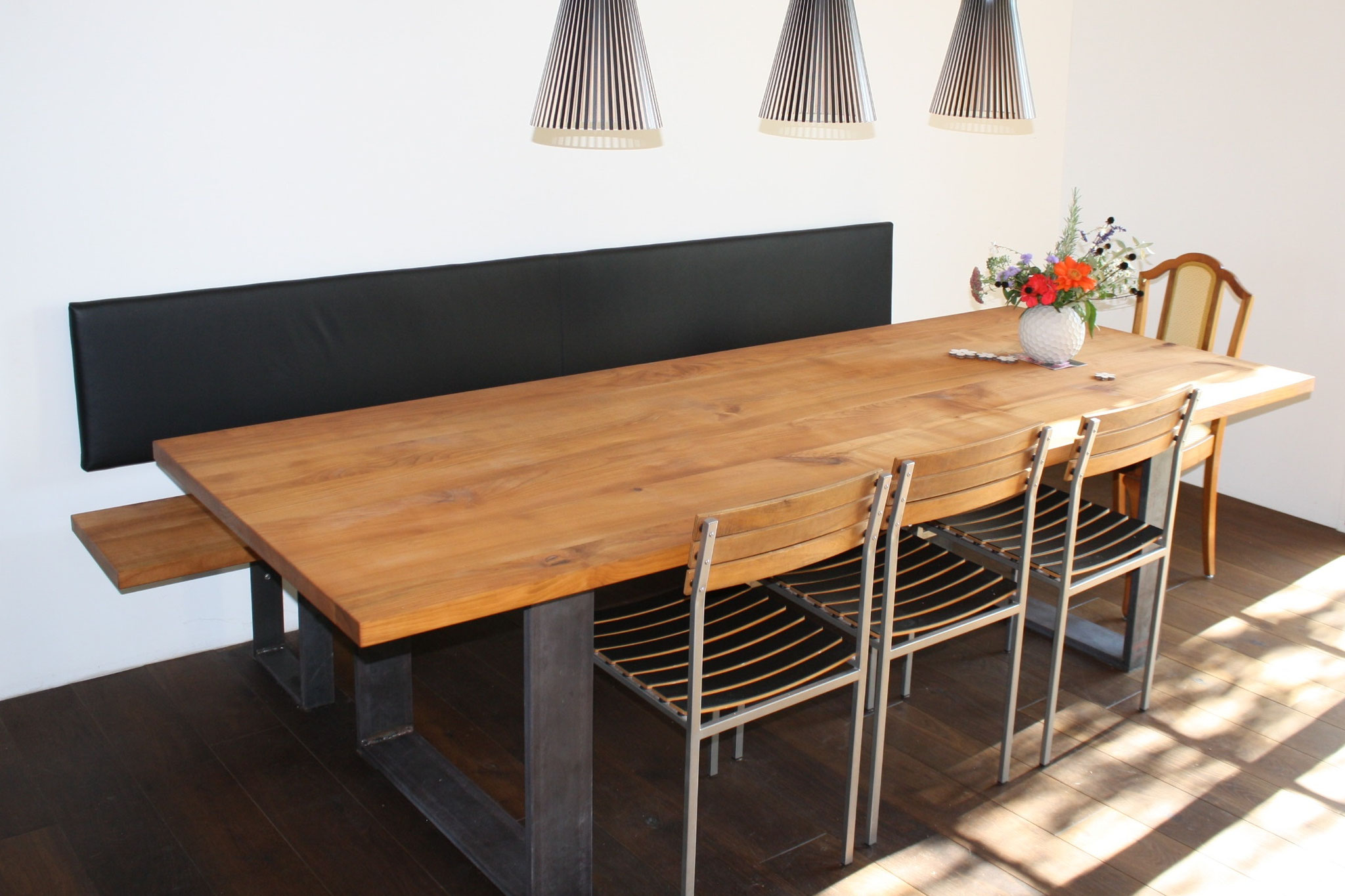 Kirschbaum-Tisch und passende Sitzbank