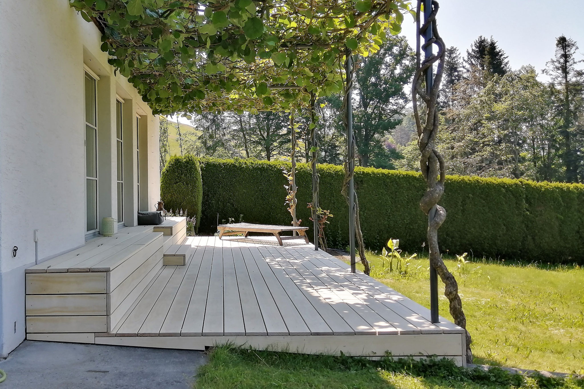 Terrasse aus Akoya-Holz
