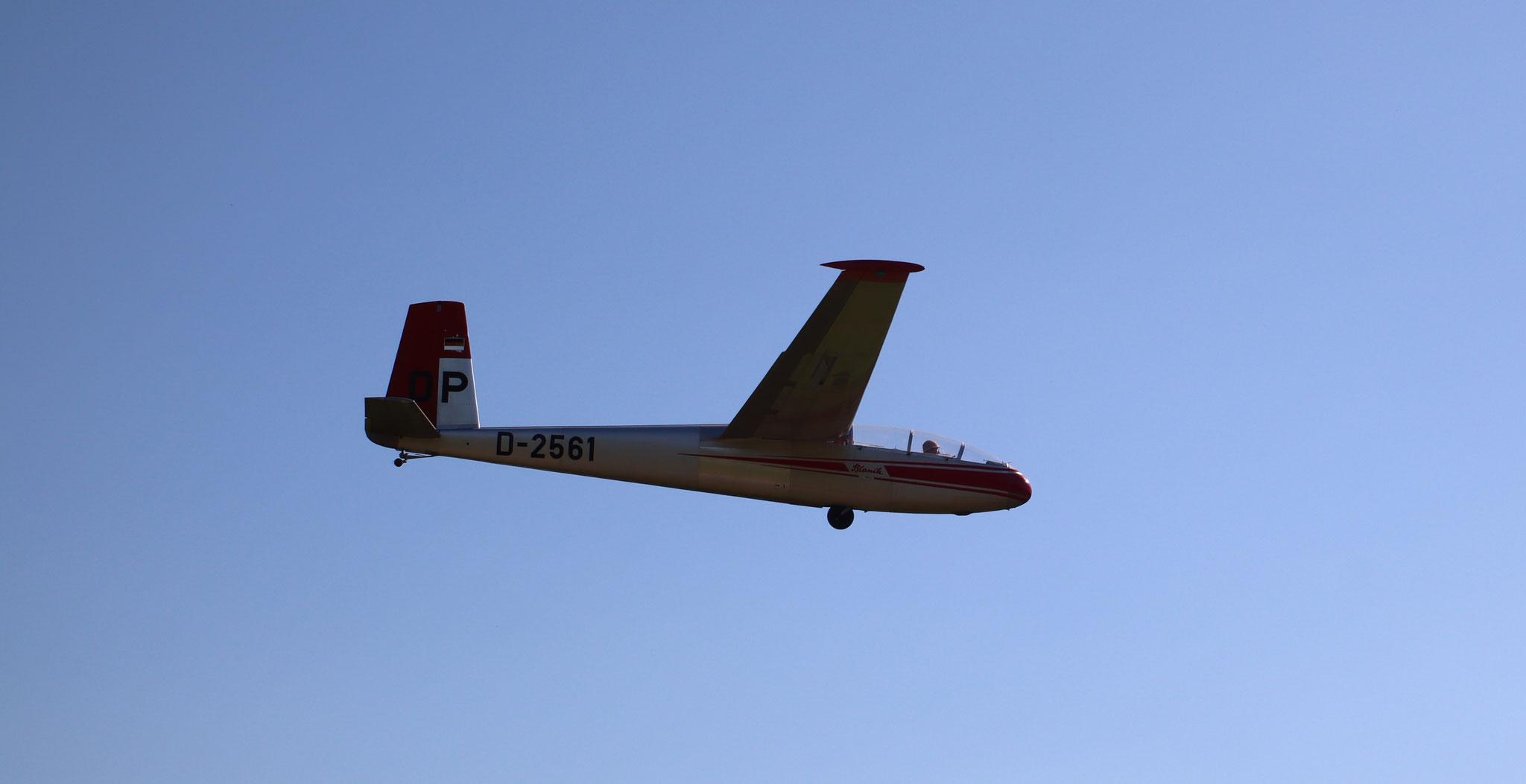 D-2561 Im Flug