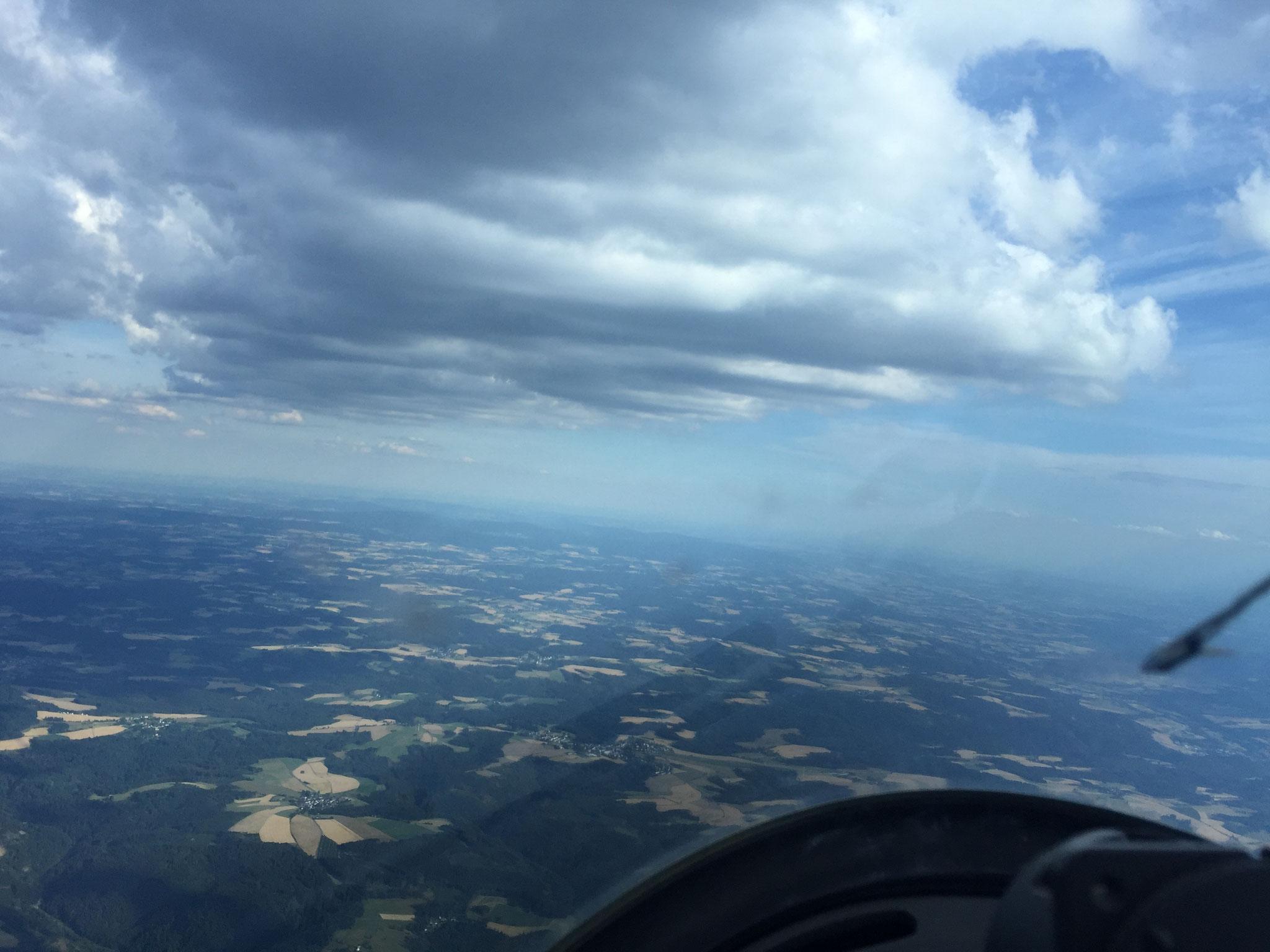 """Der Thüringer Wald brennt, die """"Rostbratwurst ermöglicht Schnitte über 200 km/h"""